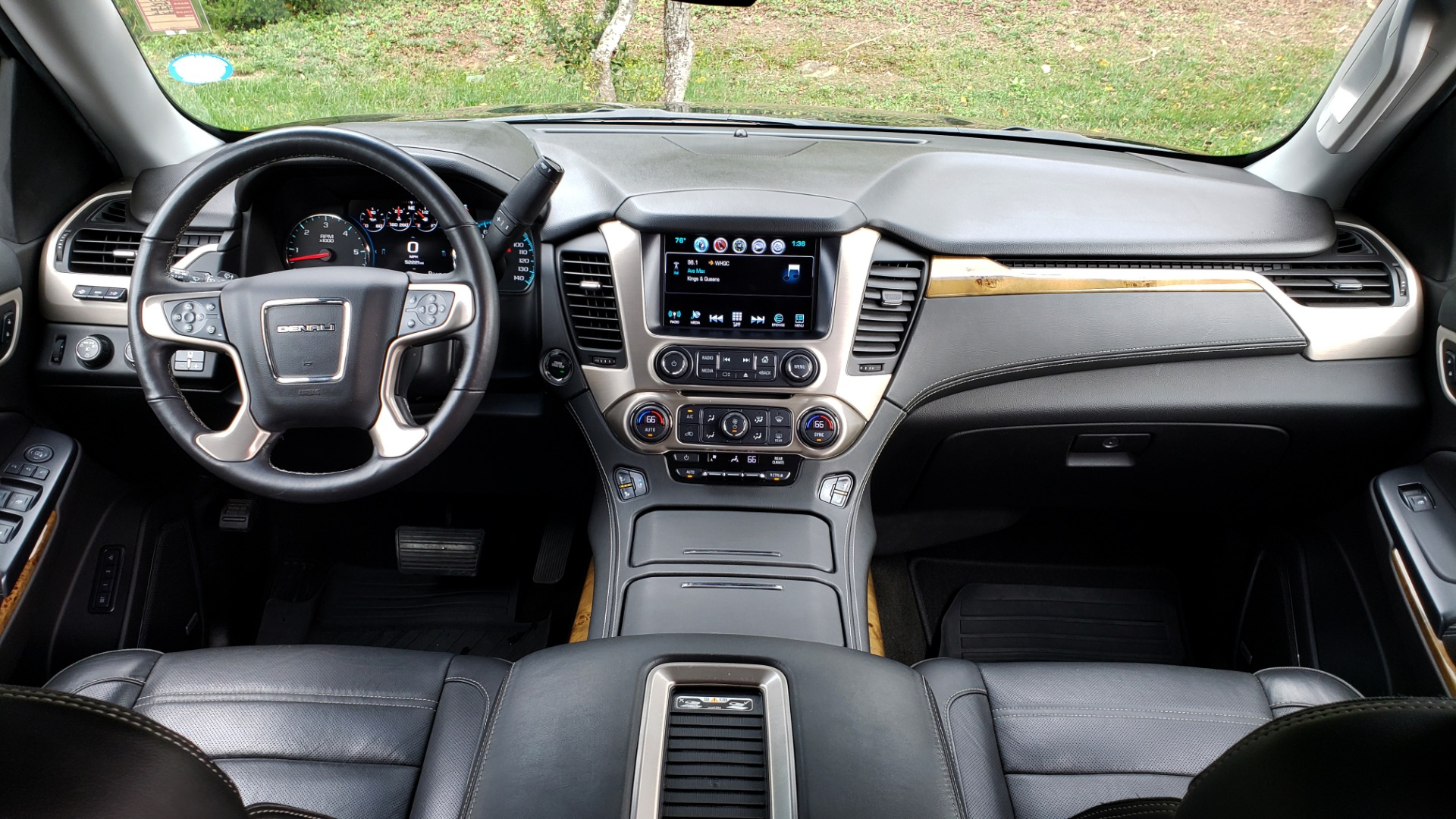 Used 2017 GMC YUKON XL DENALI 4WD / NAV / SUNROOF / ENT / 3-ROWS / BOSE / REARVIEW for sale Sold at Formula Imports in Charlotte NC 28227 89