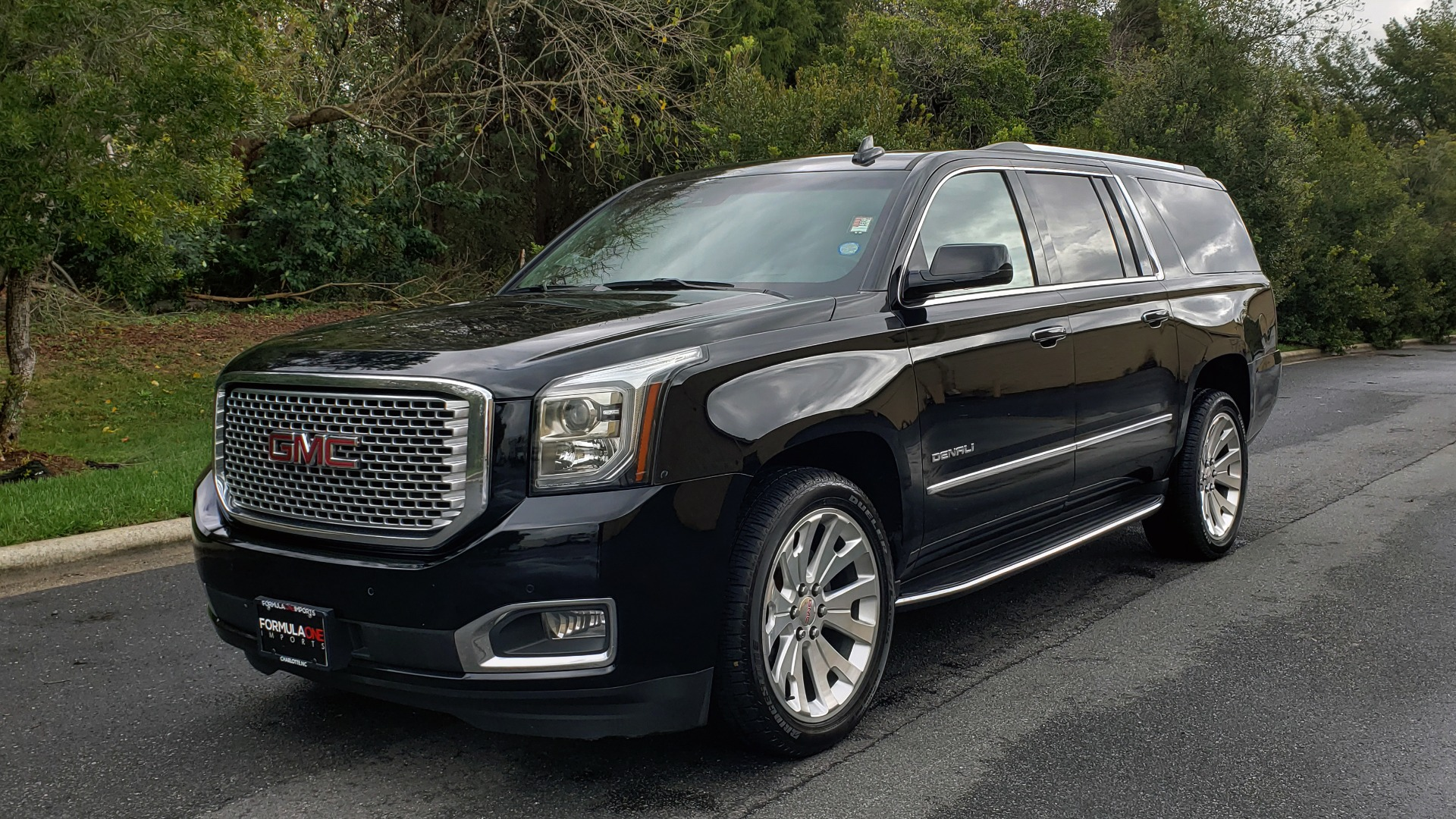 Used 2017 GMC YUKON XL DENALI 4WD / NAV / SUNROOF / ENT / 3-ROWS / BOSE / REARVIEW for sale Sold at Formula Imports in Charlotte NC 28227 1