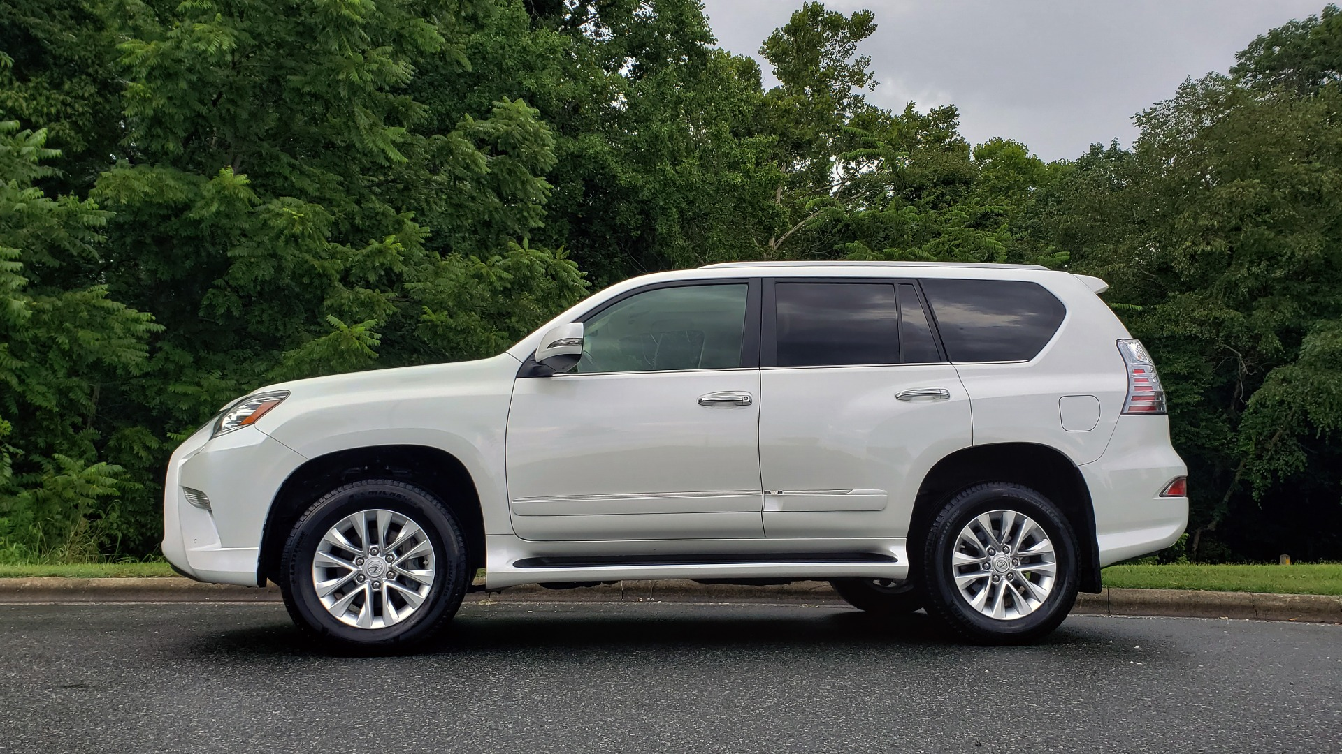 Used 2019 Lexus GX GX 460 for sale Sold at Formula Imports in Charlotte NC 28227 2