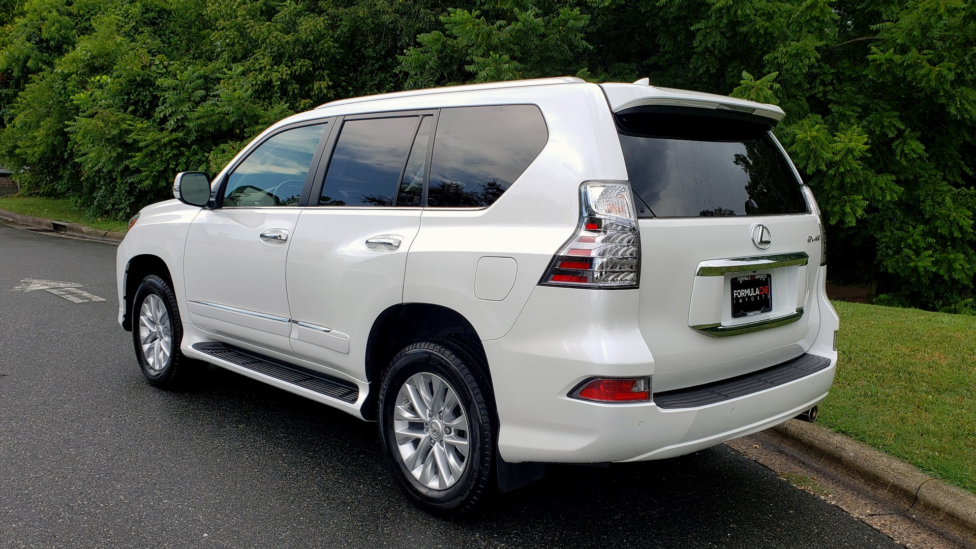 Used 2019 Lexus GX GX 460 for sale Sold at Formula Imports in Charlotte NC 28227 3