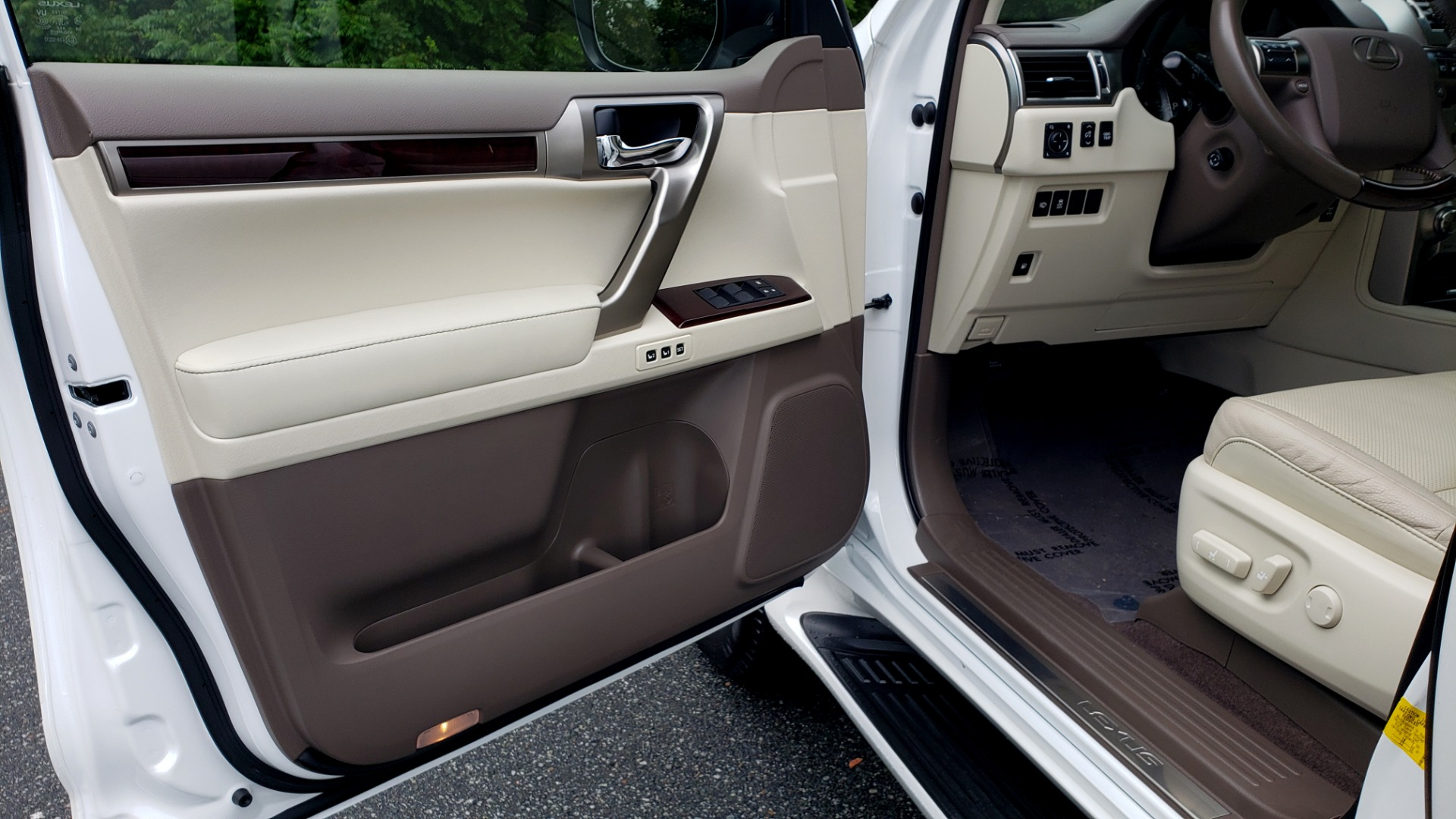 Used 2019 Lexus GX GX 460 for sale Sold at Formula Imports in Charlotte NC 28227 35