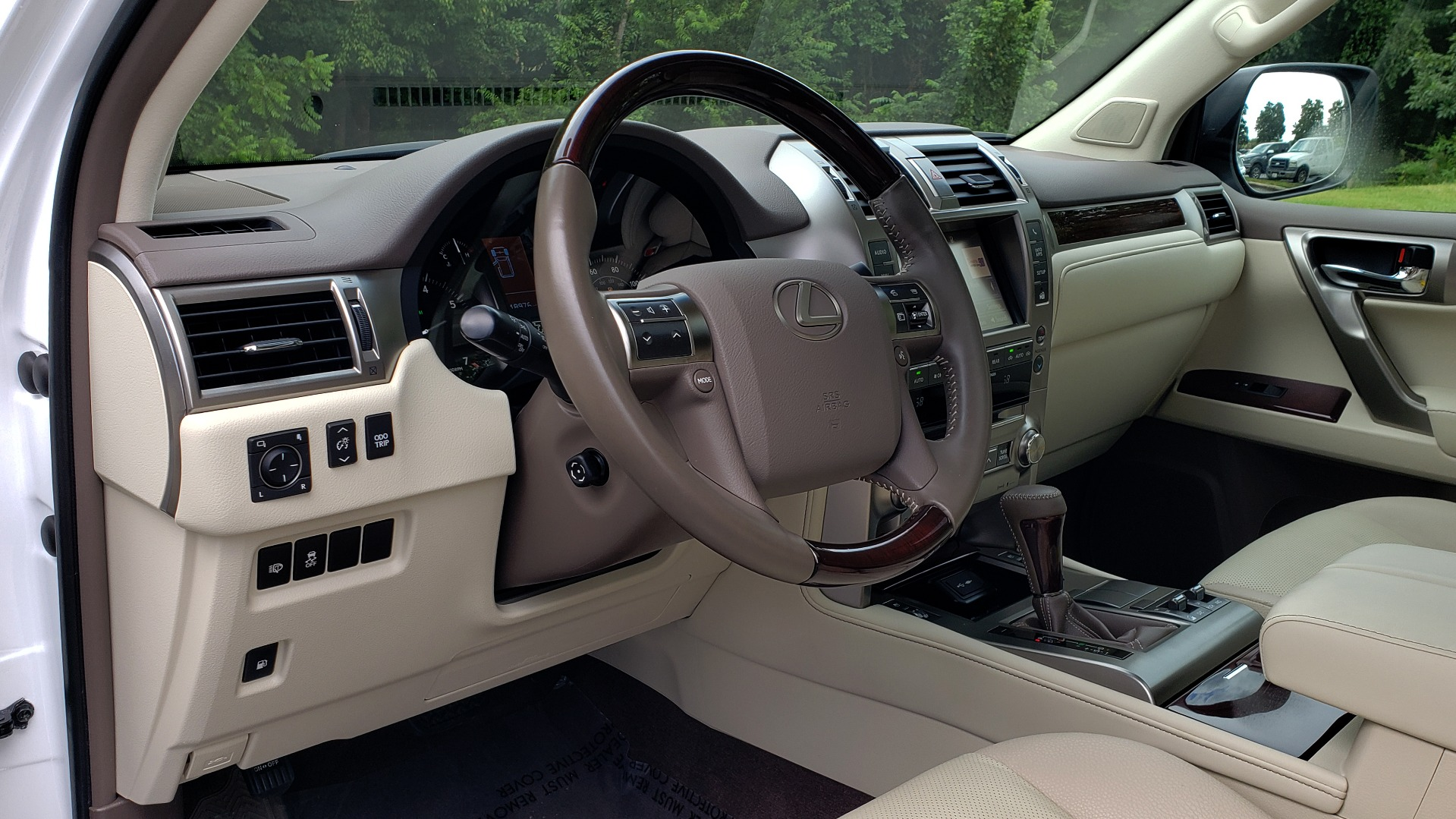 Used 2019 Lexus GX GX 460 for sale Sold at Formula Imports in Charlotte NC 28227 40