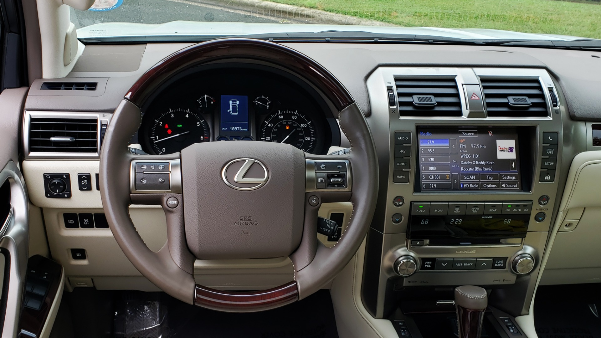 Used 2019 Lexus GX GX 460 for sale Sold at Formula Imports in Charlotte NC 28227 41