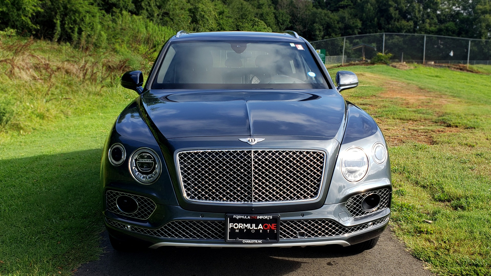 Used 2017 Bentley BENTAYGA W12 600HP / NAV / HUD / PANO-ROOF / VENT SEATS / REARVIEW for sale $144,995 at Formula Imports in Charlotte NC 28227 12