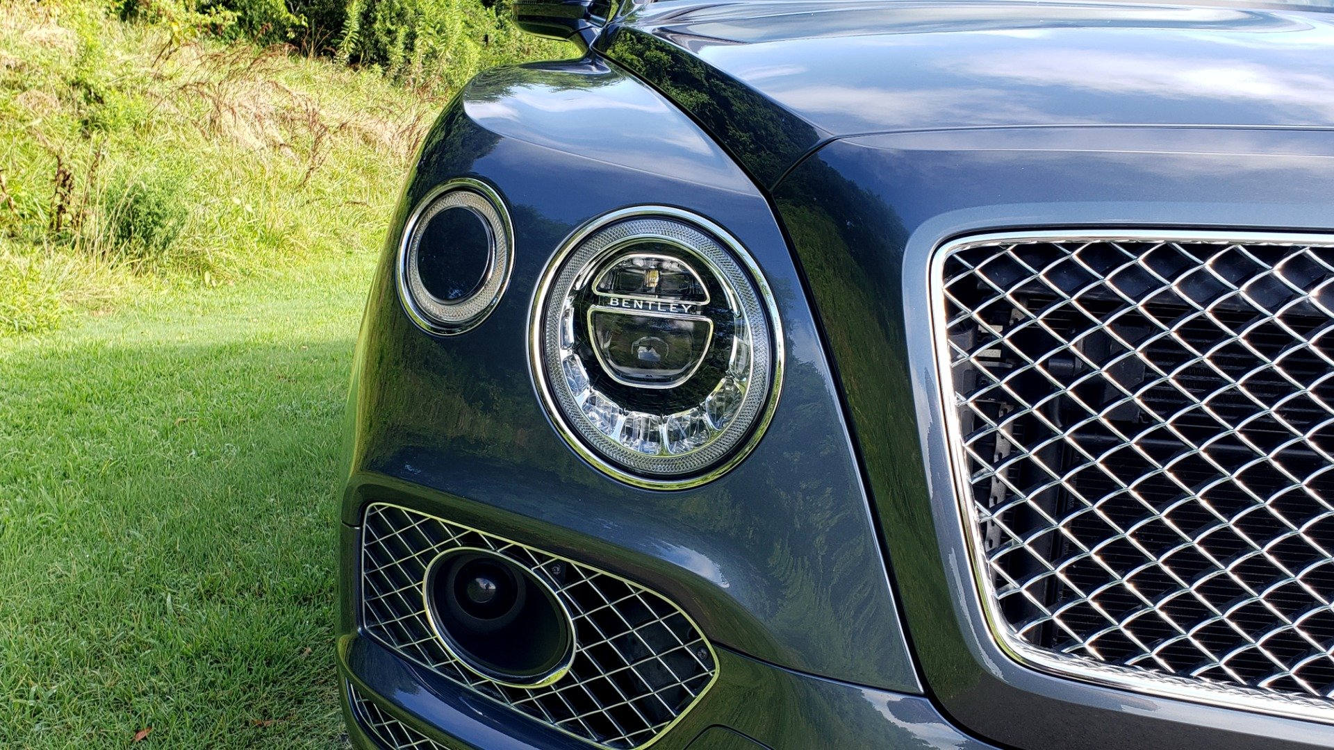 Used 2017 Bentley BENTAYGA W12 600HP / NAV / HUD / PANO-ROOF / VENT SEATS / REARVIEW for sale $144,995 at Formula Imports in Charlotte NC 28227 13