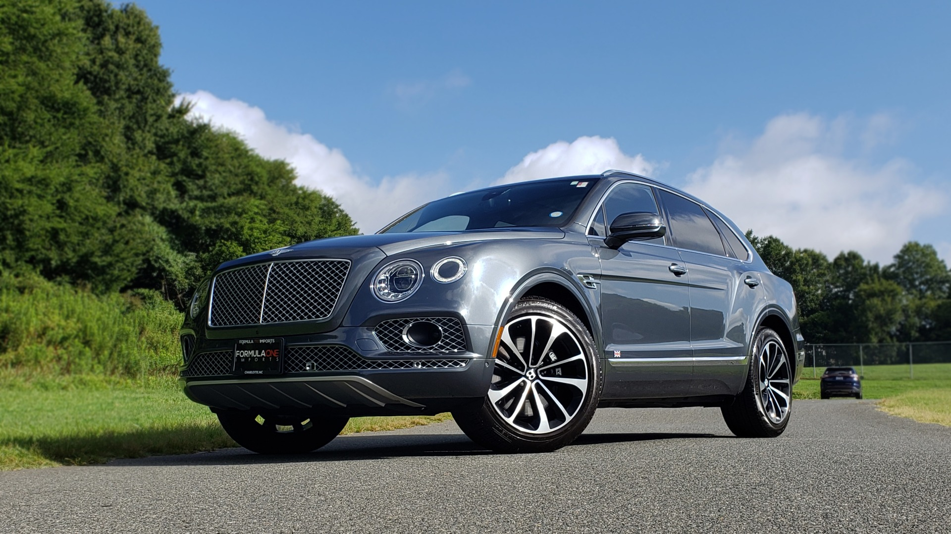 Used 2017 Bentley BENTAYGA W12 600HP / NAV / HUD / PANO-ROOF / VENT SEATS / REARVIEW for sale $144,995 at Formula Imports in Charlotte NC 28227 2