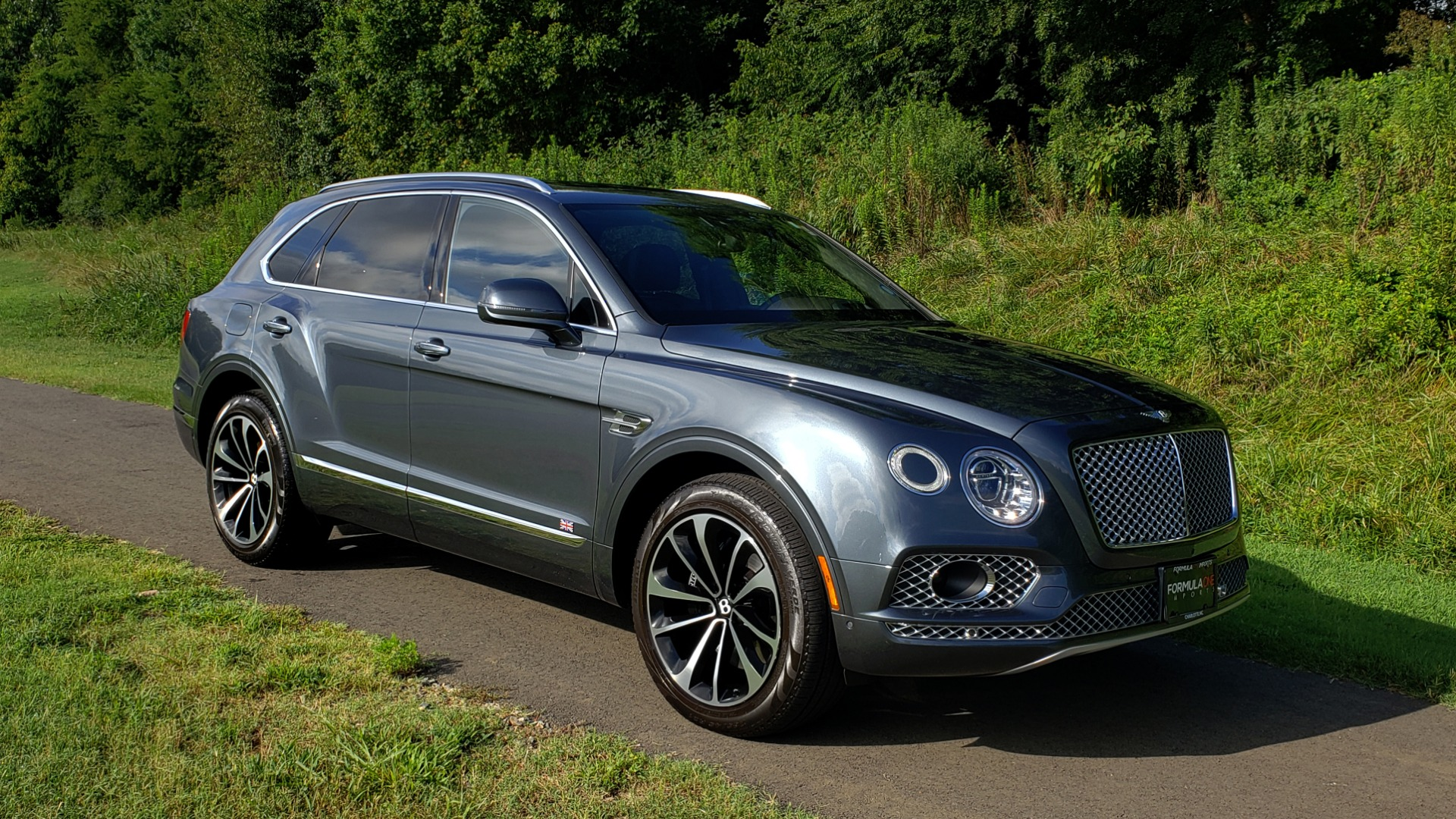 Used 2017 Bentley BENTAYGA W12 600HP / NAV / HTD SEATS / PANO-ROOF / REARVIEW for sale Sold at Formula Imports in Charlotte NC 28227 22
