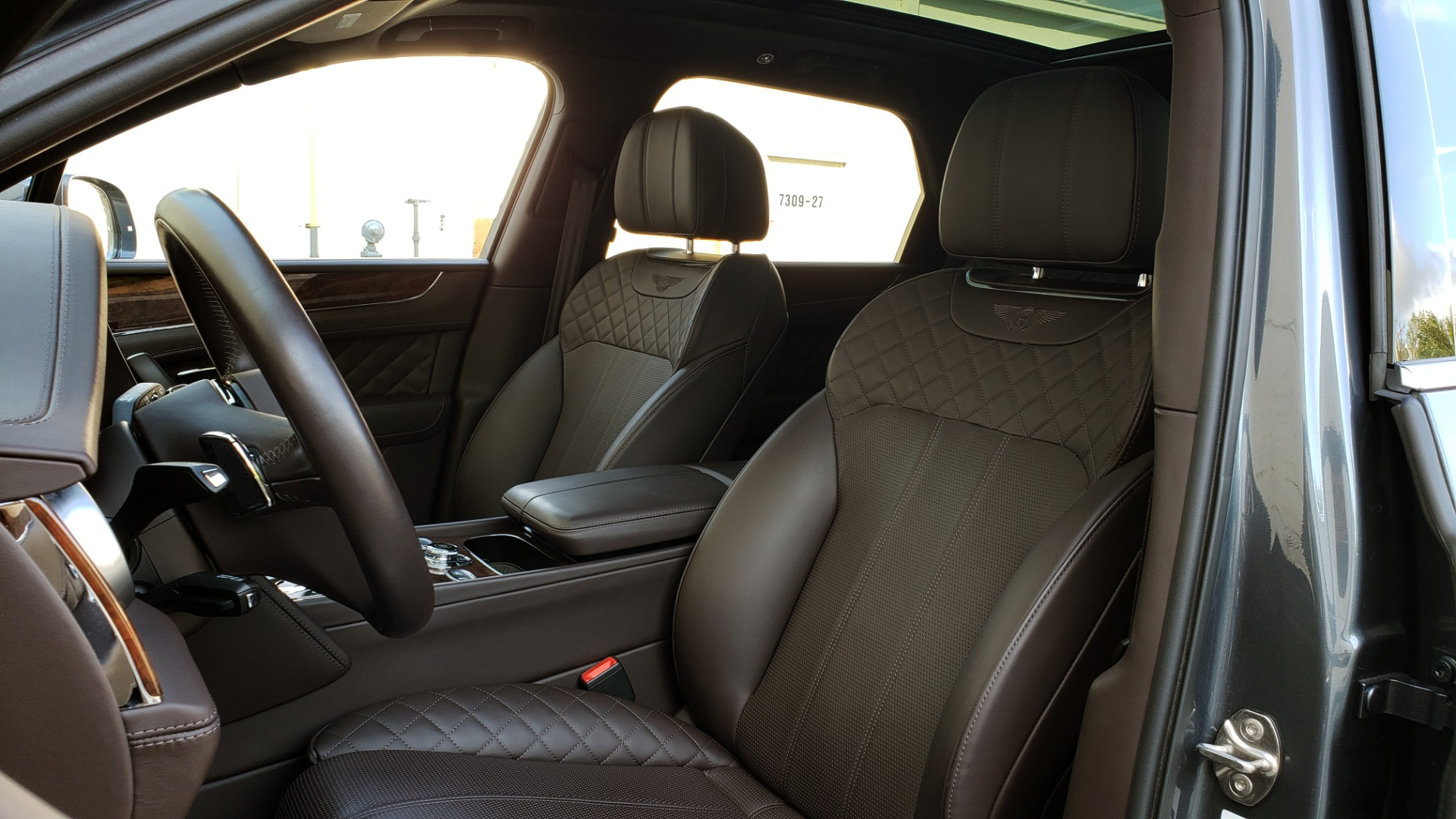 Used 2017 Bentley BENTAYGA W12 600HP / NAV / HTD SEATS / PANO-ROOF / REARVIEW / 21IN WHEELS for sale $149,995 at Formula Imports in Charlotte NC 28227 49