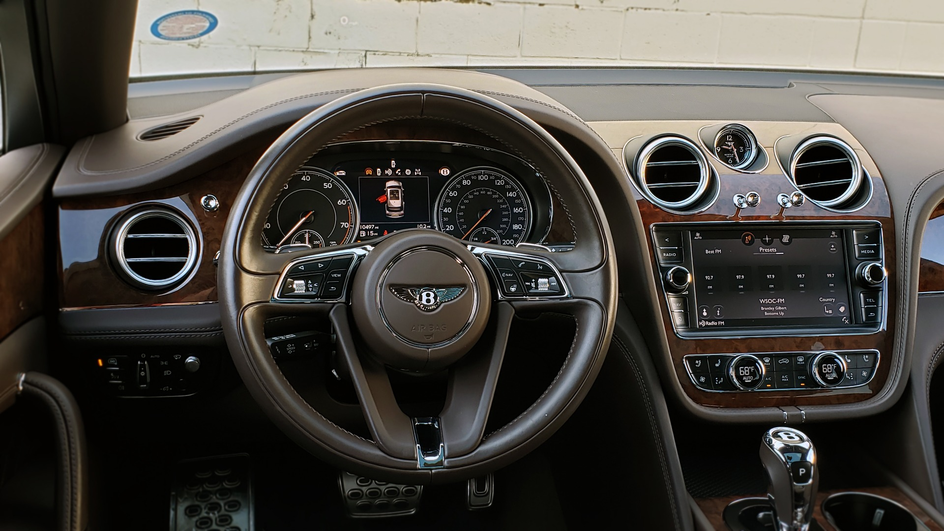 Used 2017 Bentley BENTAYGA W12 600HP / NAV / HUD / PANO-ROOF / VENT SEATS / REARVIEW for sale $144,995 at Formula Imports in Charlotte NC 28227 51