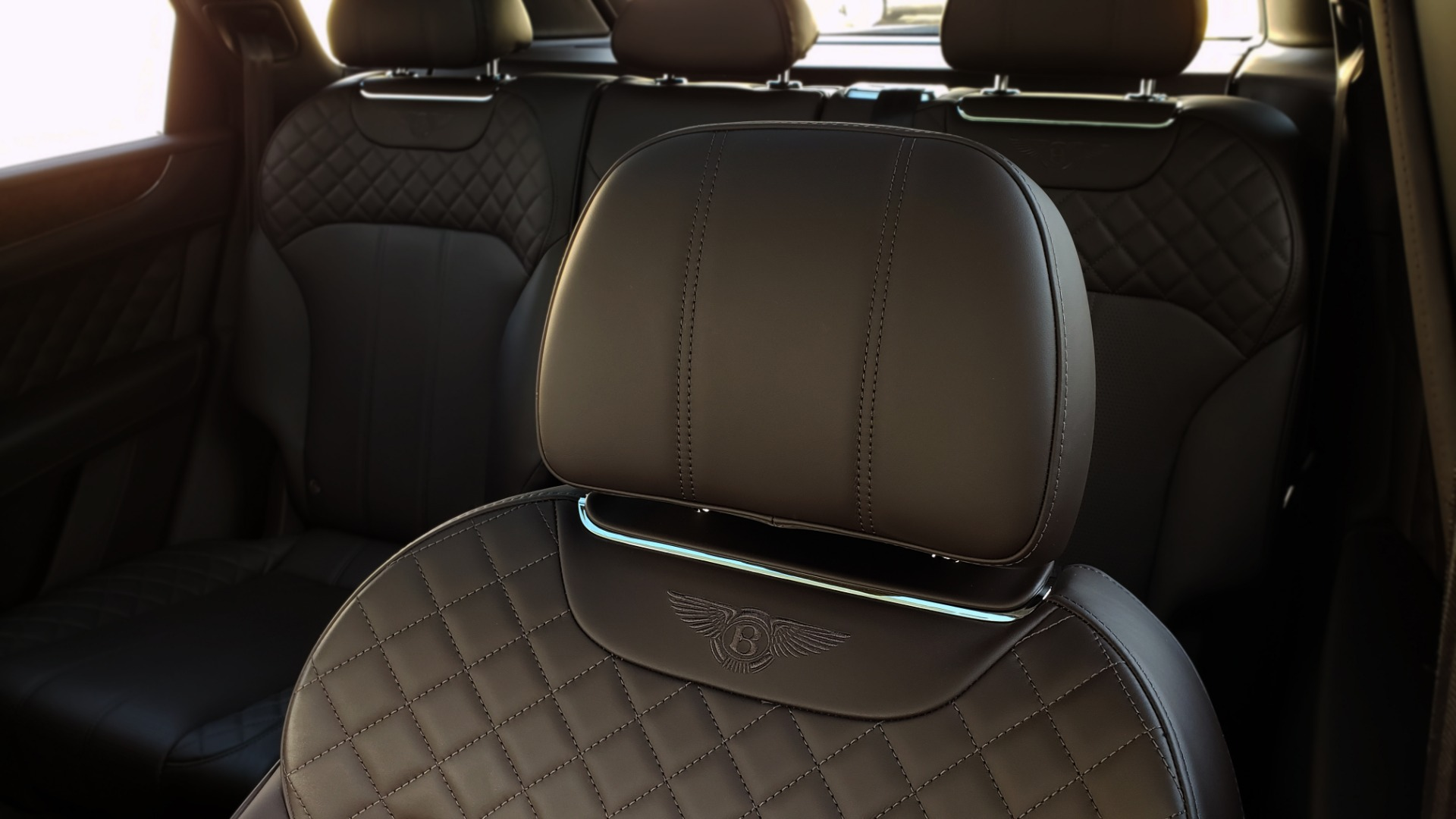 Used 2017 Bentley BENTAYGA W12 600HP / NAV / HTD SEATS / PANO-ROOF / REARVIEW / 21IN WHEELS for sale $149,995 at Formula Imports in Charlotte NC 28227 52
