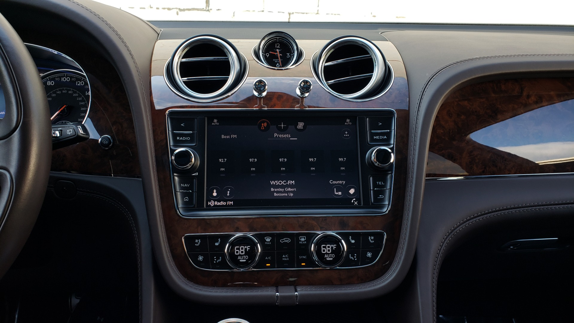 Used 2017 Bentley BENTAYGA W12 600HP / NAV / HTD SEATS / PANO-ROOF / REARVIEW / 21IN WHEELS for sale $149,995 at Formula Imports in Charlotte NC 28227 58