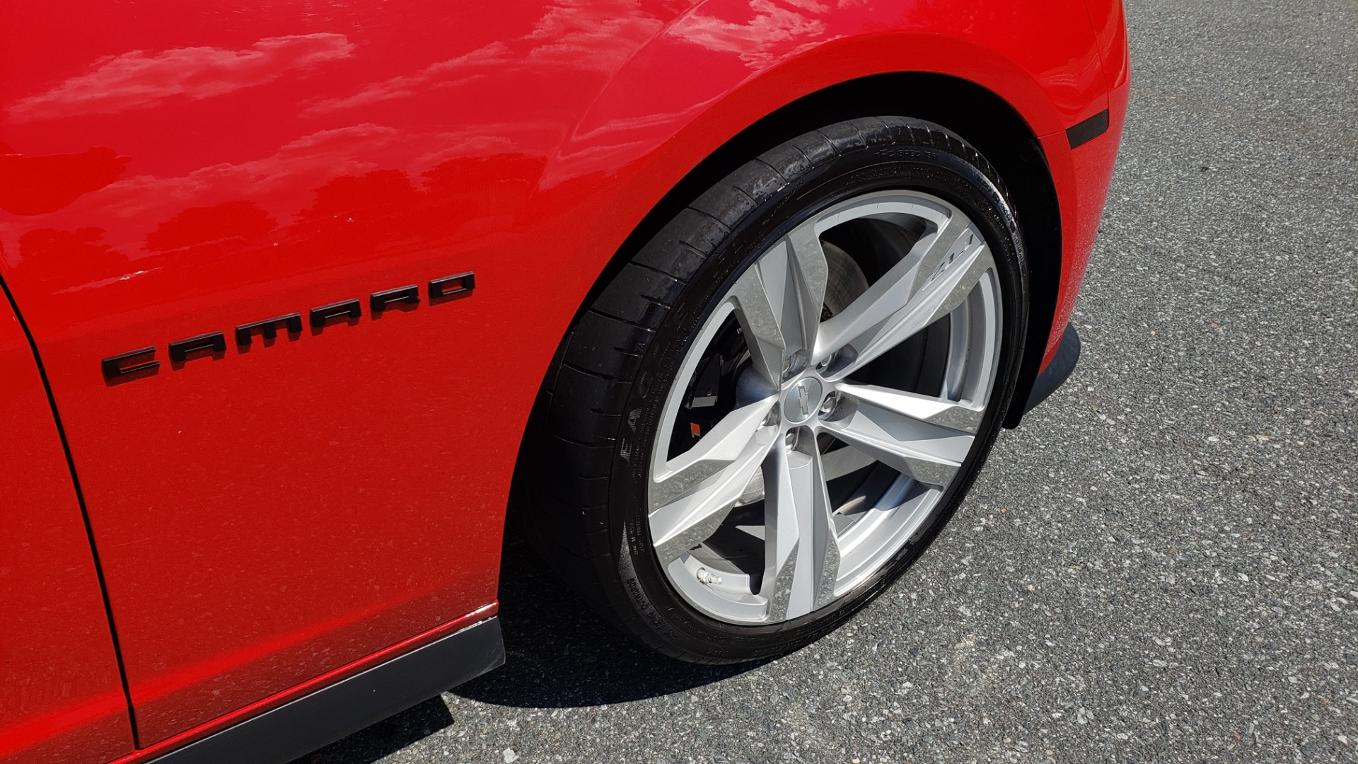 Used 2013 Chevrolet CAMARO ZL1 580HP / AUTO / NAV / BOSTON ACOUSTIC SND / REARVIEW for sale $40,995 at Formula Imports in Charlotte NC 28227 14