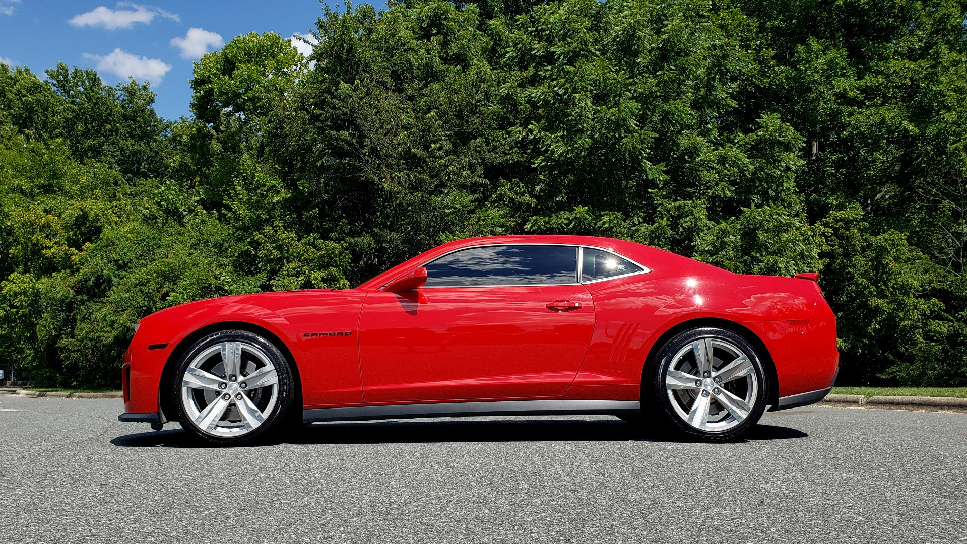 Used 2013 Chevrolet CAMARO ZL1 / 6.2L SUPERCHARGED 580HP / 6-SPD AUTO / NAV / REARVIEW for sale Sold at Formula Imports in Charlotte NC 28227 3