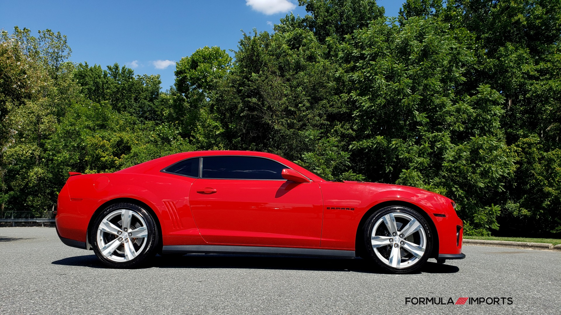Used 2013 Chevrolet CAMARO ZL1 / 6.2L SUPERCHARGED 580HP / 6-SPD AUTO / NAV / REARVIEW for sale Sold at Formula Imports in Charlotte NC 28227 6