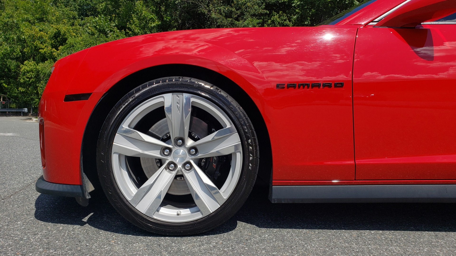 Used 2013 Chevrolet CAMARO ZL1 / 6.2L SUPERCHARGED 580HP / 6-SPD AUTO / NAV / REARVIEW for sale Sold at Formula Imports in Charlotte NC 28227 85