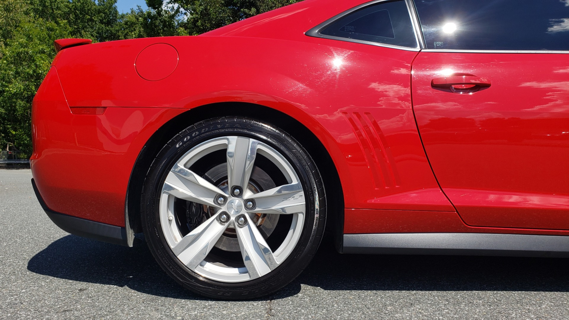 Used 2013 Chevrolet CAMARO ZL1 580HP / AUTO / NAV / BOSTON ACOUSTIC SND / REARVIEW for sale $40,995 at Formula Imports in Charlotte NC 28227 87