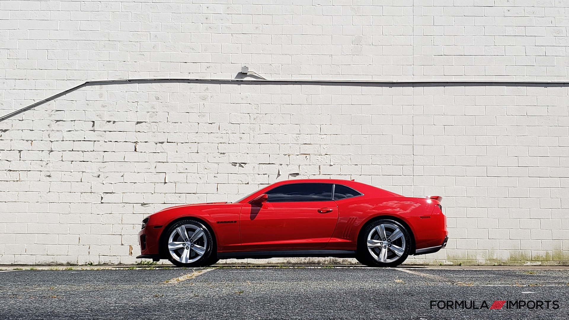 Used 2013 Chevrolet CAMARO ZL1 / 6.2L SUPERCHARGED 580HP / 6-SPD AUTO / NAV / REARVIEW for sale Sold at Formula Imports in Charlotte NC 28227 94