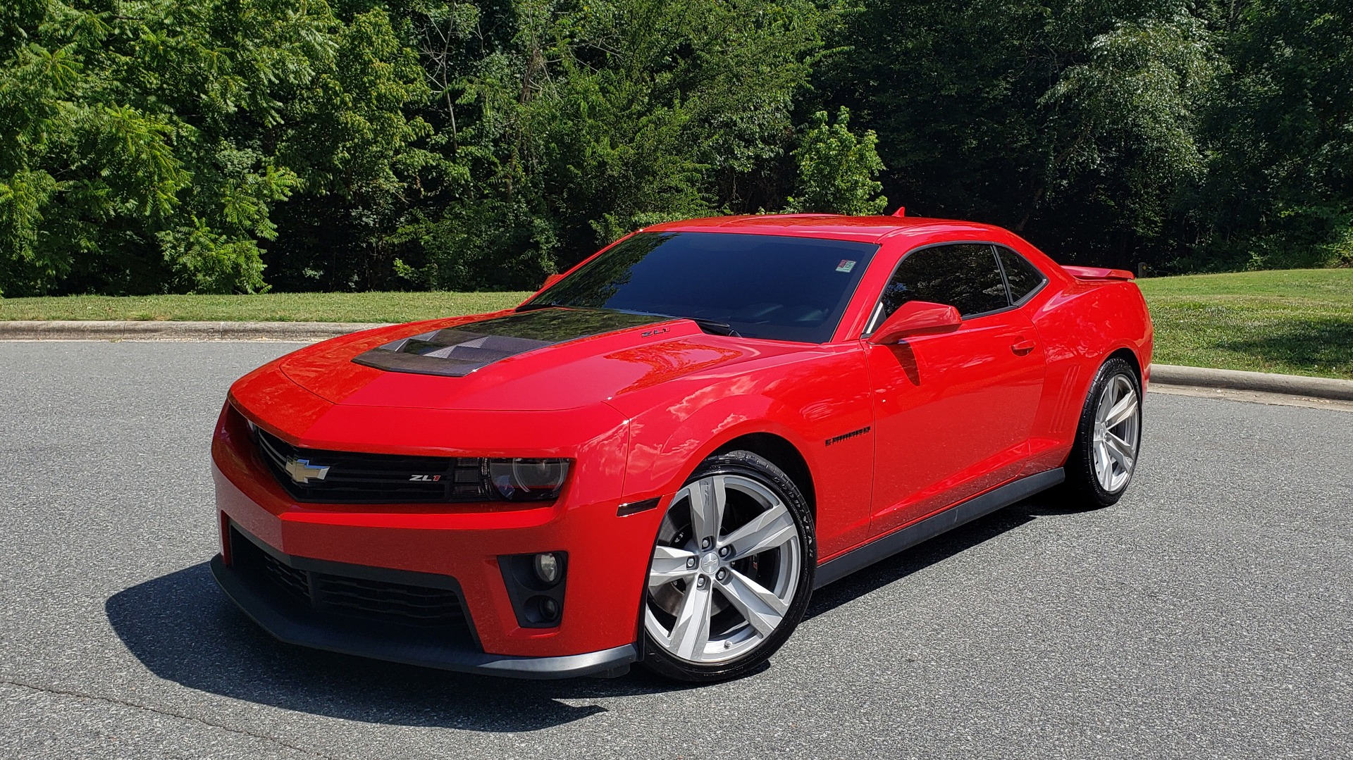 Used 2013 Chevrolet CAMARO ZL1 580HP / AUTO / NAV / BOSTON ACOUSTIC SND / REARVIEW for sale $40,995 at Formula Imports in Charlotte NC 28227 1