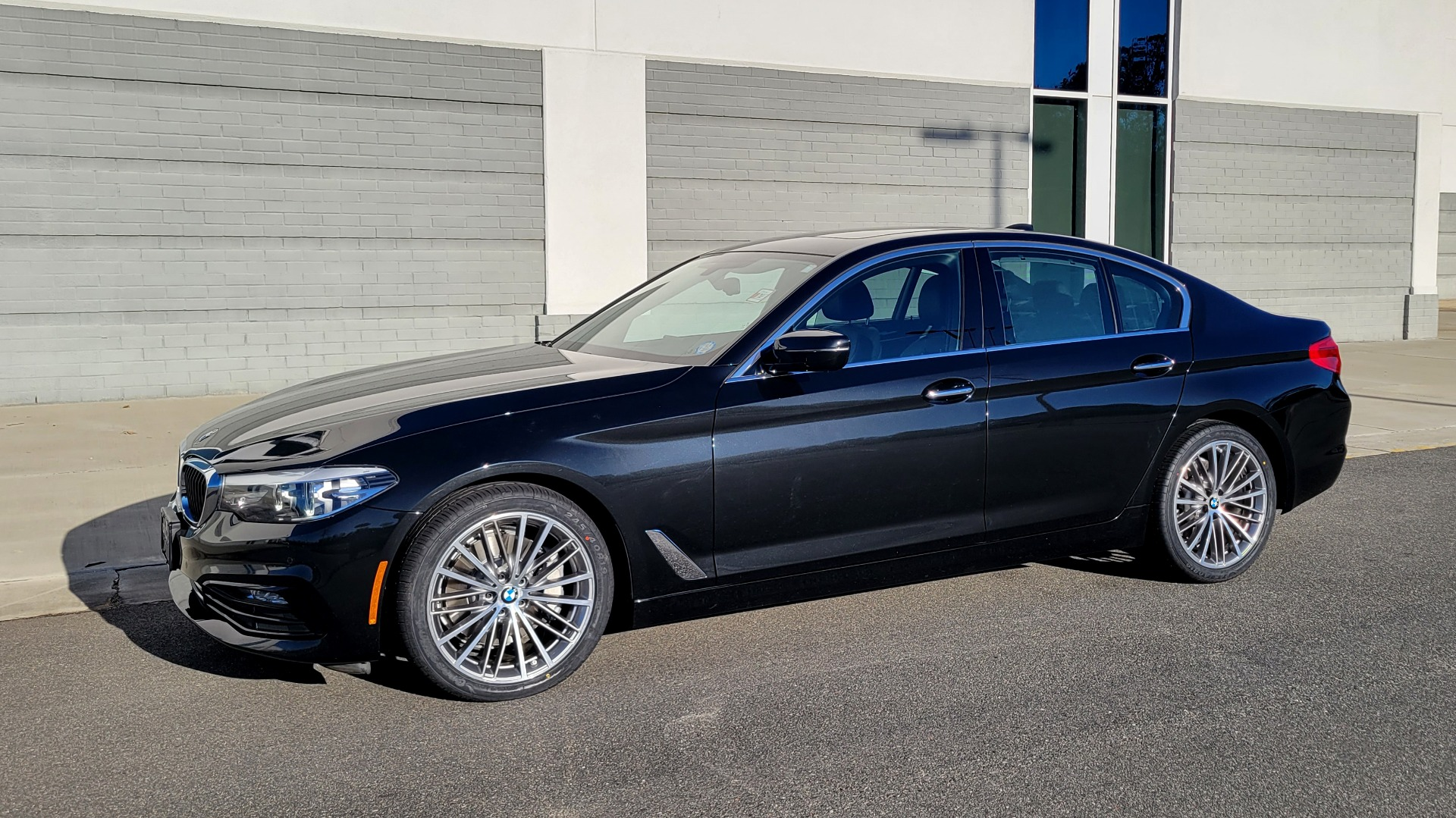 Used 2017 BMW 5 SERIES 530I XDRIVE PREMIUM / NAV / SUNROOF / PARK ASST / CLOD WTHR / REARVIEW for sale Sold at Formula Imports in Charlotte NC 28227 3