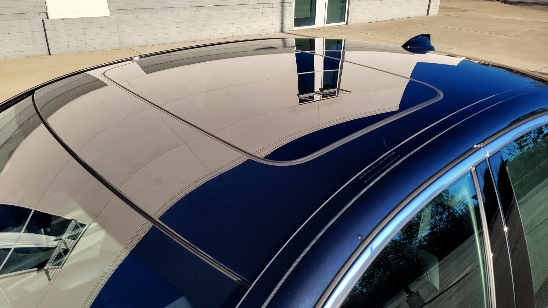 Used 2017 BMW 5 SERIES 530I XDRIVE PREMIUM / NAV / SUNROOF / PARK ASST / CLOD WTHR / REARVIEW for sale Sold at Formula Imports in Charlotte NC 28227 6