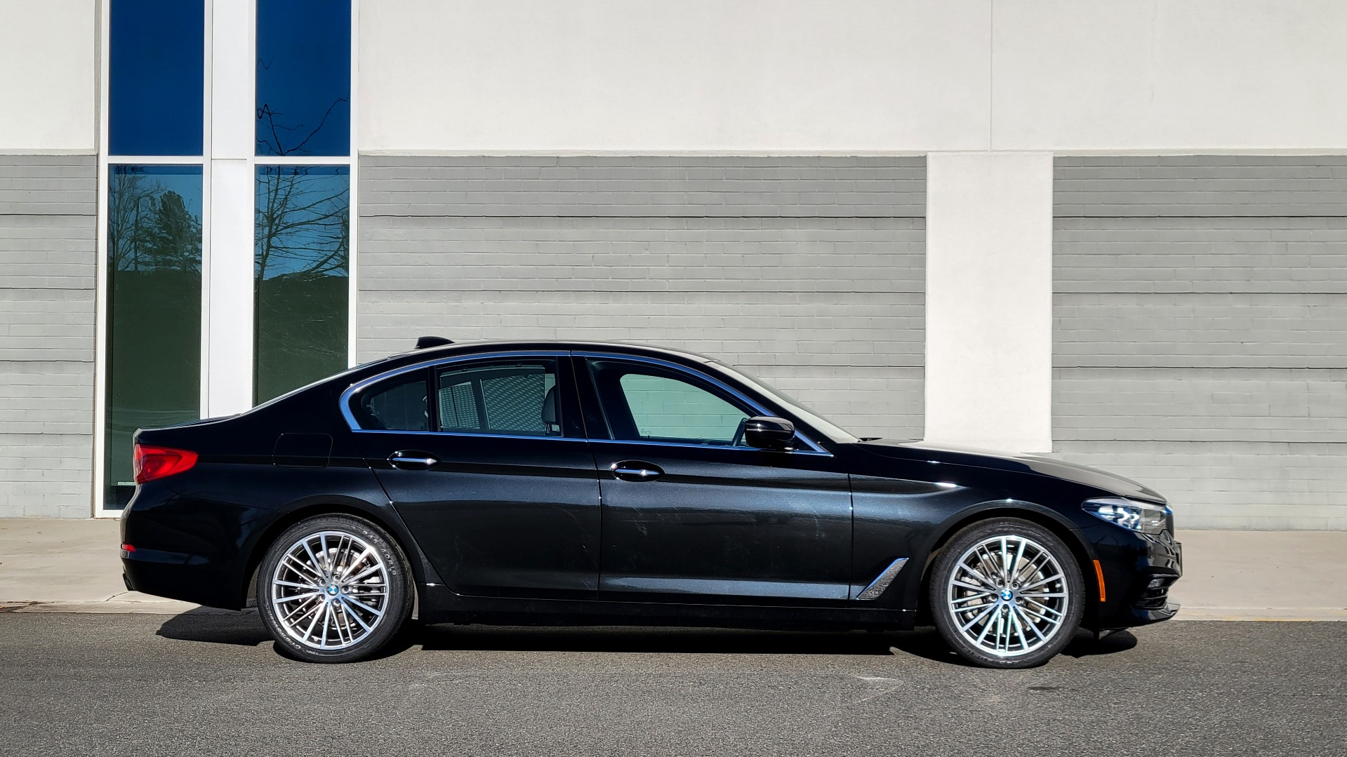 Used 2017 BMW 5 SERIES 530I XDRIVE PREMIUM / NAV / SUNROOF / PARK ASST / CLOD WTHR / REARVIEW for sale Sold at Formula Imports in Charlotte NC 28227 9