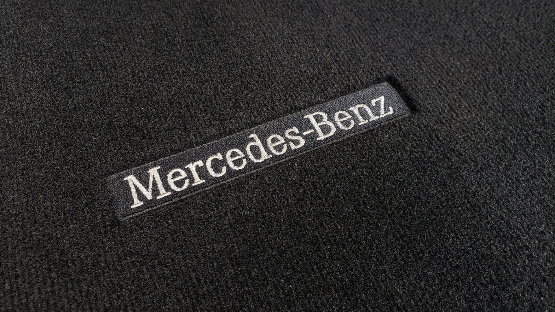 Used 2016 Mercedes-Benz GLC 300 / PANO-ROOF / HEATED SEATS / REARVIEW / NEW TIRES for sale Sold at Formula Imports in Charlotte NC 28227 13