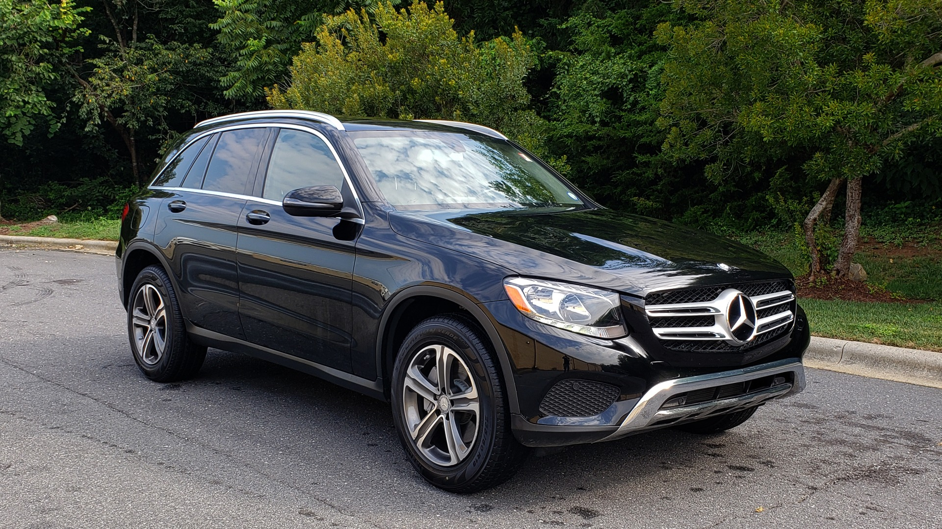 Used 2016 Mercedes-Benz GLC 300 / PANO-ROOF / HEATED SEATS / REARVIEW / NEW TIRES for sale Sold at Formula Imports in Charlotte NC 28227 4