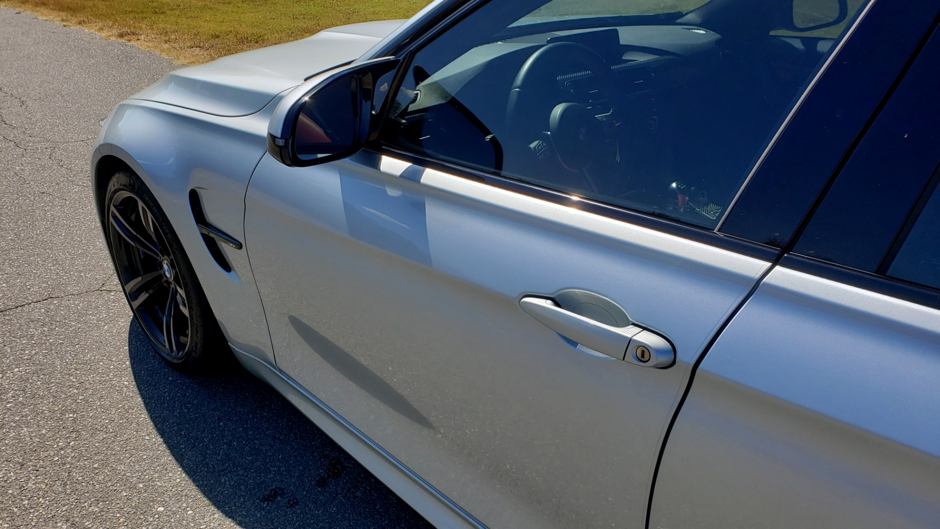Used 2015 BMW M3 EXECUTIVE PKG / NAV / CAMERA / HUD / CARBON FIBER ROOF for sale Sold at Formula Imports in Charlotte NC 28227 4