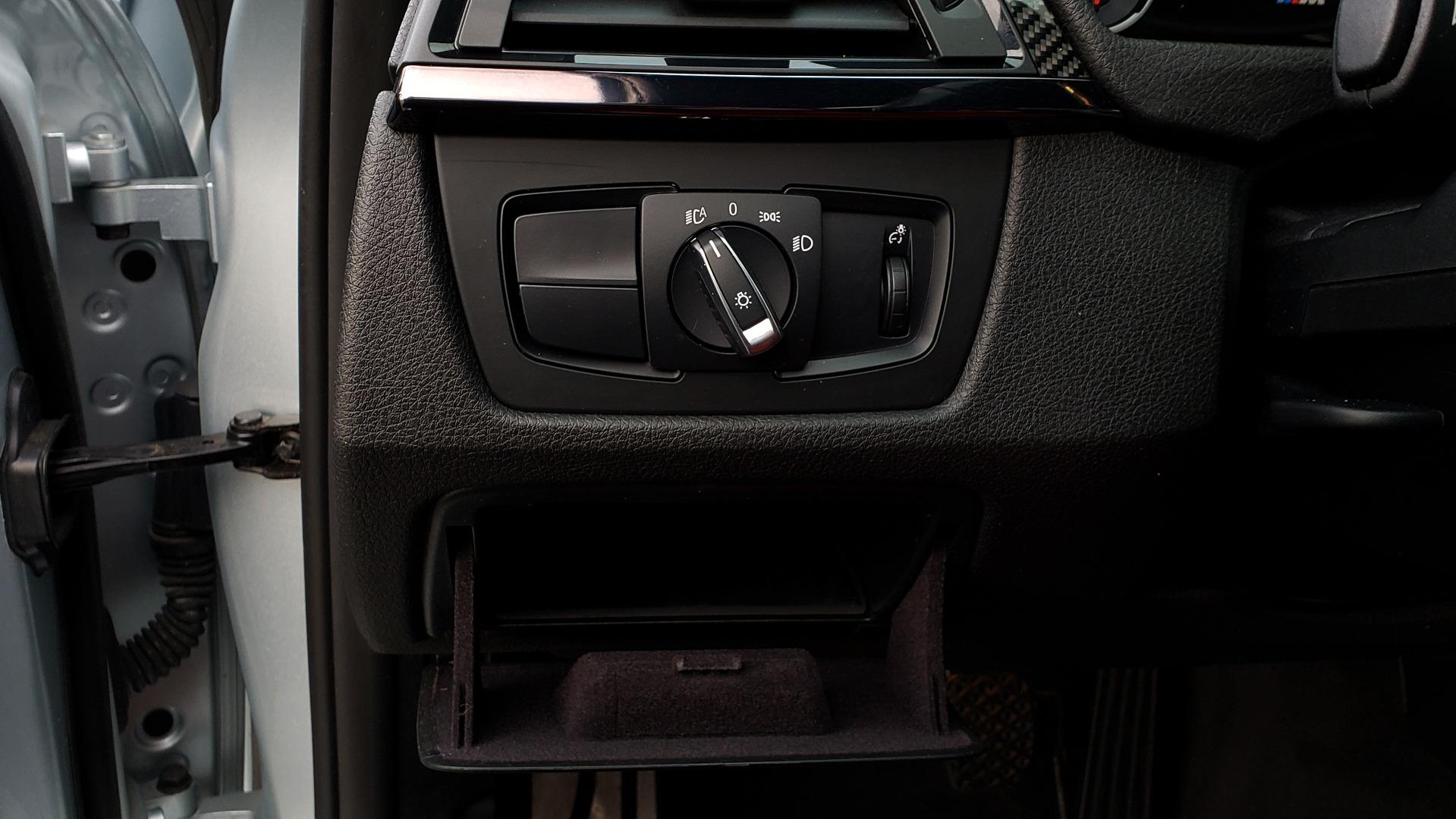 Used 2015 BMW M3 EXECUTIVE PKG / NAV / CAMERA / HUD / CARBON FIBER ROOF for sale Sold at Formula Imports in Charlotte NC 28227 55