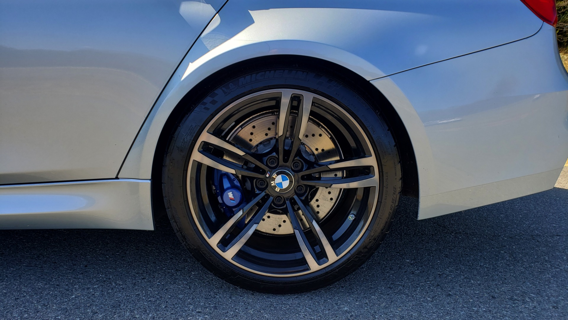 Used 2015 BMW M3 EXECUTIVE PKG / NAV / CAMERA / HUD / CARBON FIBER ROOF for sale Sold at Formula Imports in Charlotte NC 28227 92