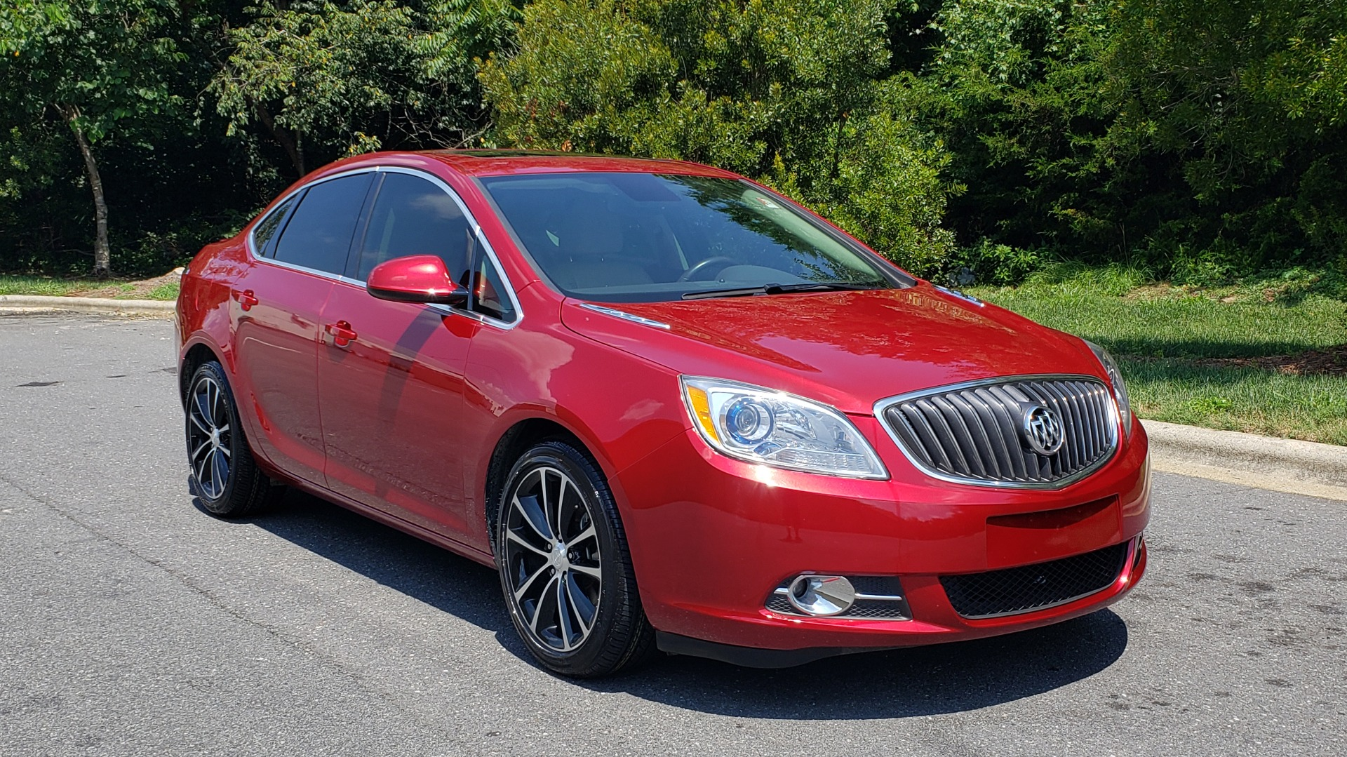 Used 2016 Buick VERANO SPORT TOURING / SUNROOF / HTD STS / 18IN WHEELS / REARVIEW for sale Sold at Formula Imports in Charlotte NC 28227 5