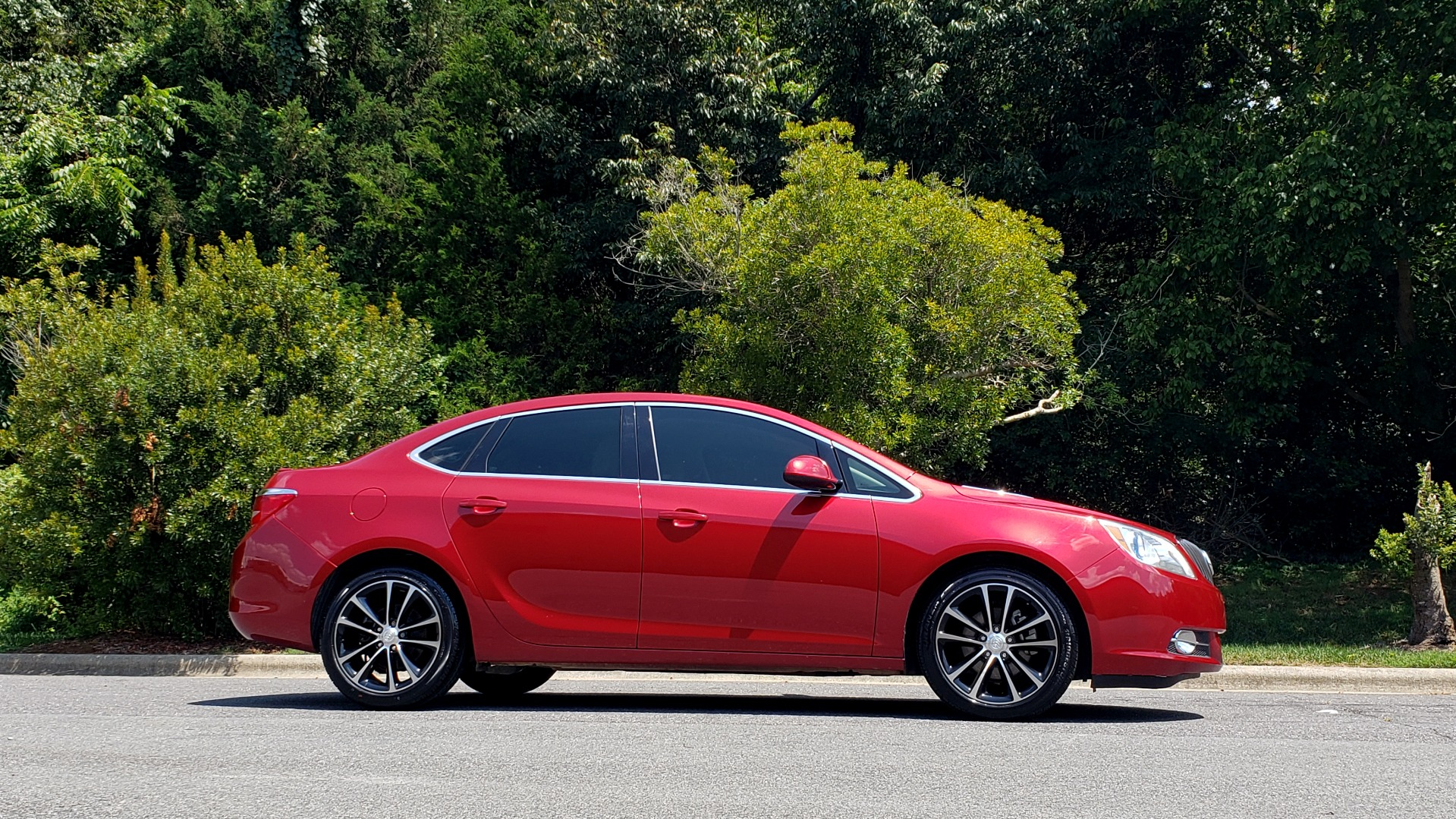 Used 2016 Buick VERANO SPORT TOURING / SUNROOF / HTD STS / 18IN WHEELS / REARVIEW for sale Sold at Formula Imports in Charlotte NC 28227 6