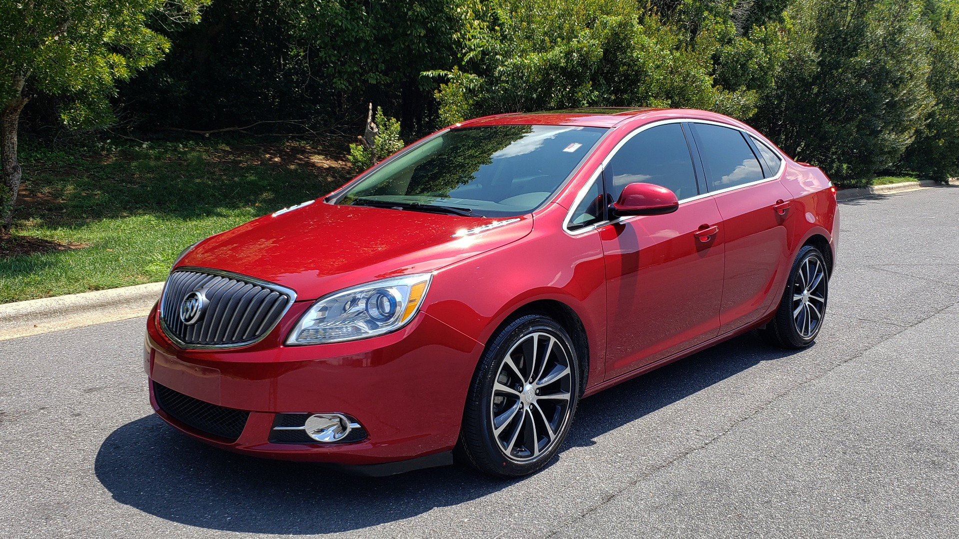 Used 2016 Buick VERANO SPORT TOURING / SUNROOF / HTD STS / 18IN WHEELS / REARVIEW for sale Sold at Formula Imports in Charlotte NC 28227 1