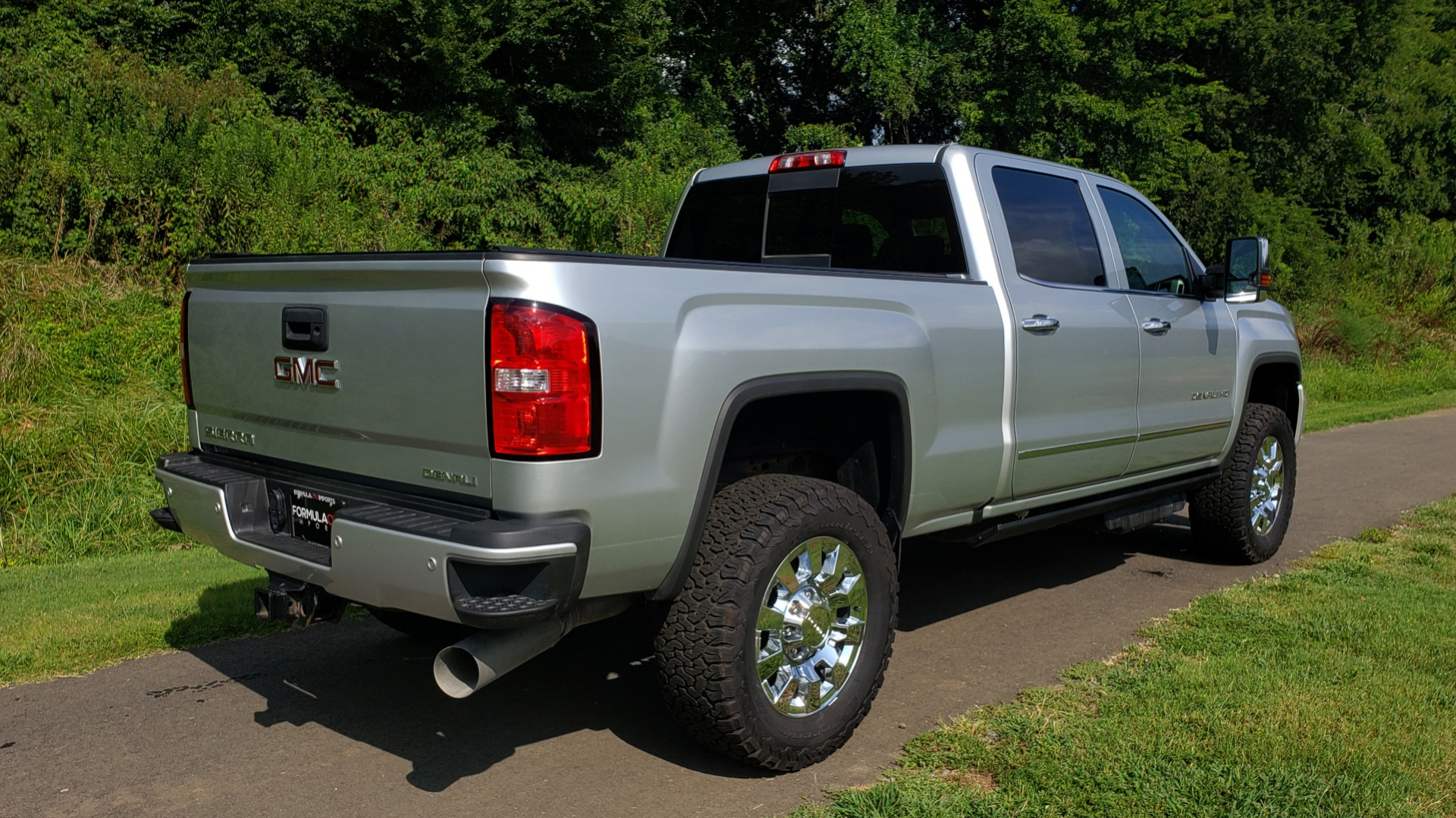 Used 2018 GMC SIERRA 2500HD DENALI 4WD / 6.6L DURAMAX / NAV / SUNROOF / BOSE / REARVIEW for sale Sold at Formula Imports in Charlotte NC 28227 12