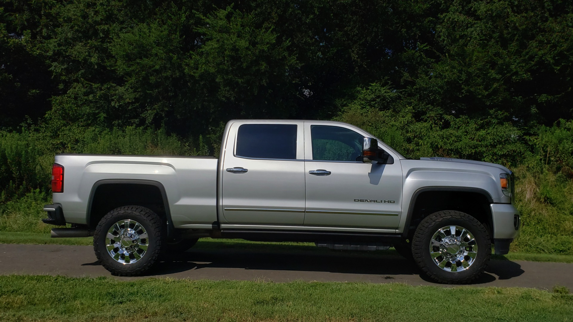 Used 2018 GMC SIERRA 2500HD DENALI 4WD / 6.6L DURAMAX / NAV / SUNROOF / BOSE / REARVIEW for sale Sold at Formula Imports in Charlotte NC 28227 13