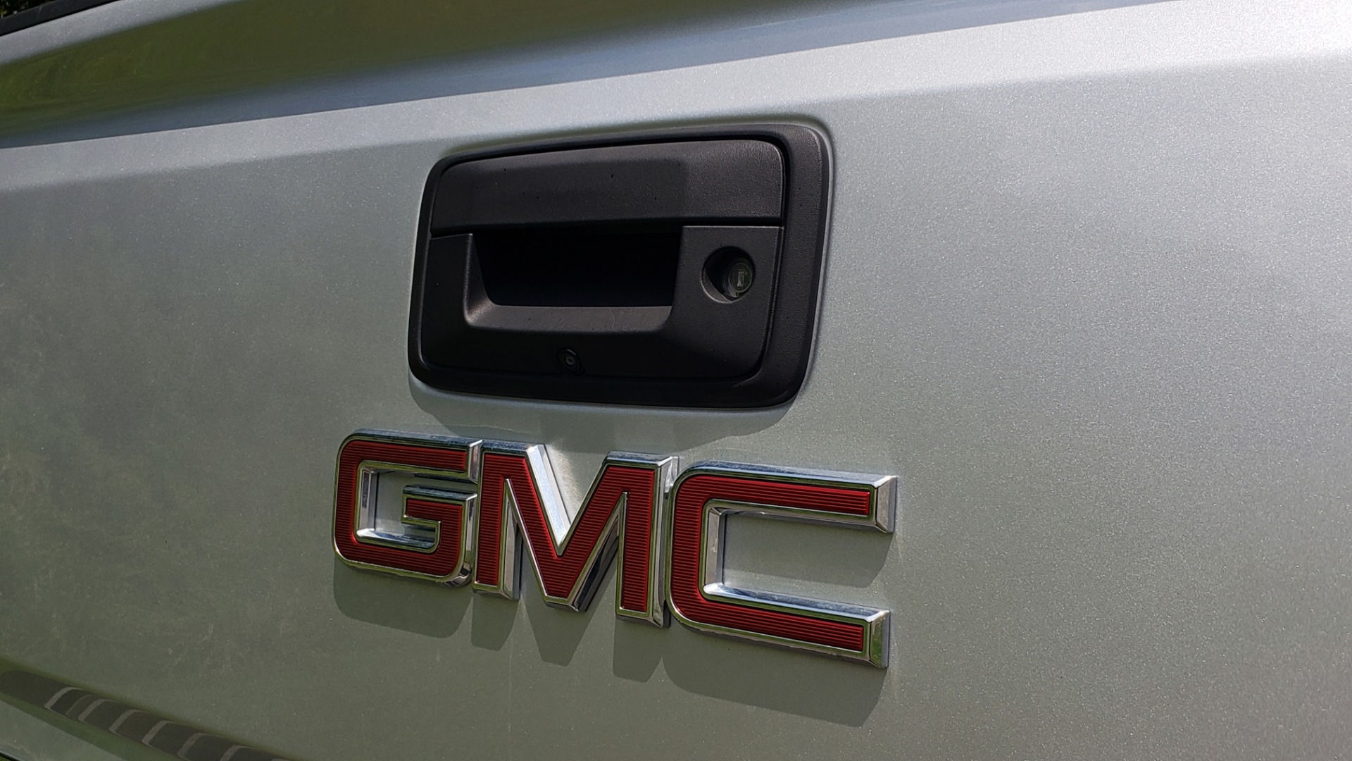 Used 2018 GMC SIERRA 2500HD DENALI 4WD / 6.6L DURAMAX / NAV / SUNROOF / BOSE / REARVIEW for sale Sold at Formula Imports in Charlotte NC 28227 23