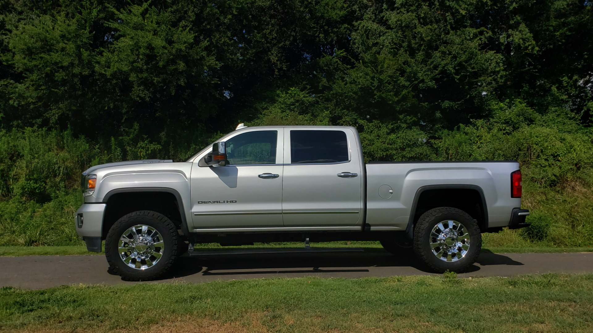 Used 2018 GMC SIERRA 2500HD DENALI 4WD / 6.6L DURAMAX / NAV / SUNROOF / BOSE / REARVIEW for sale Sold at Formula Imports in Charlotte NC 28227 3