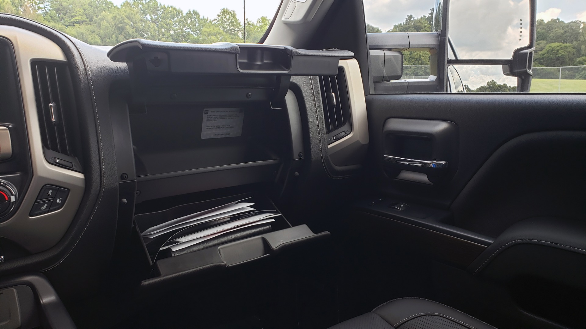 Used 2018 GMC SIERRA 2500HD DENALI 4WD / 6.6L DURAMAX / NAV / SUNROOF / BOSE / REARVIEW for sale Sold at Formula Imports in Charlotte NC 28227 58