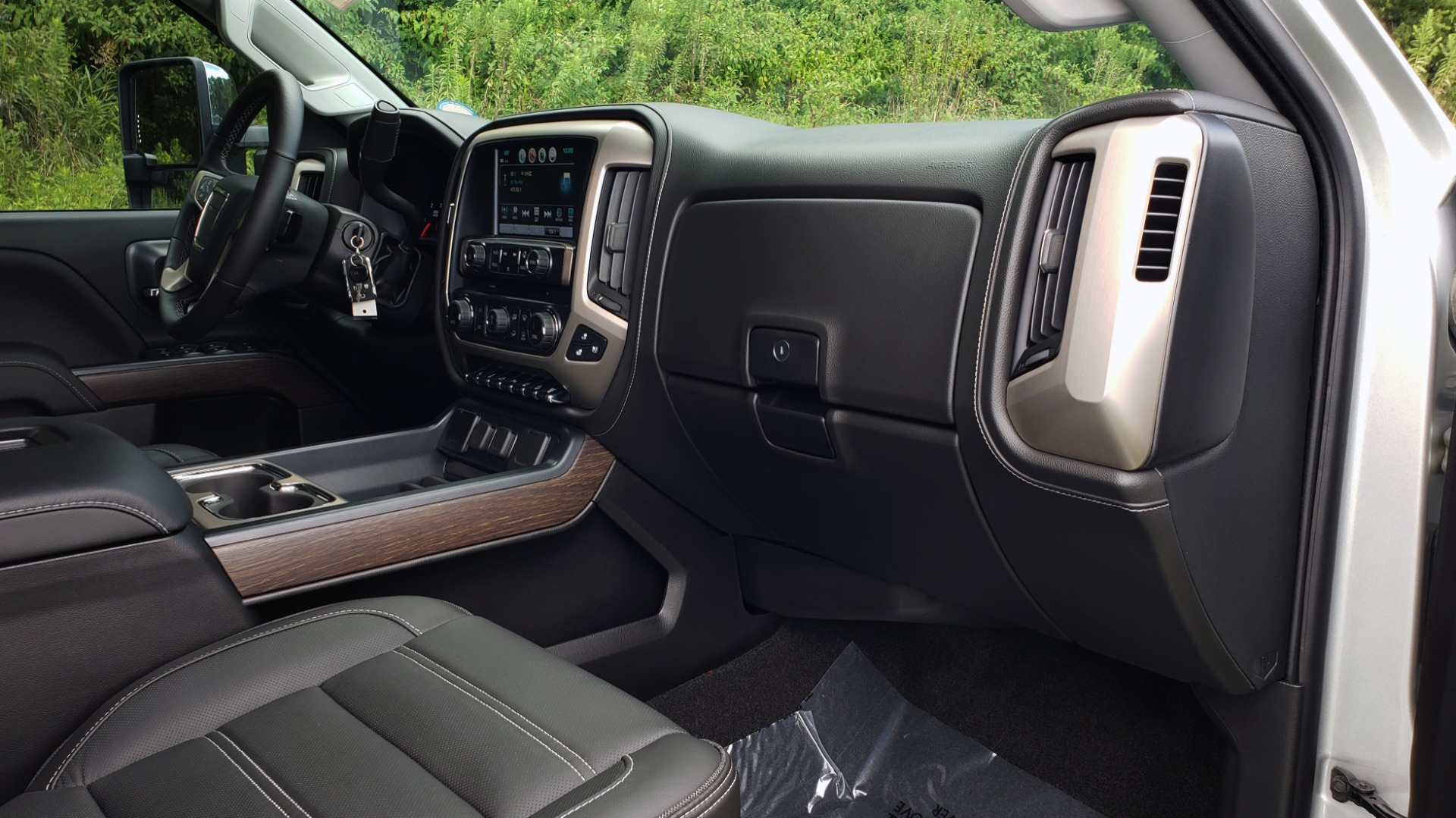 Used 2018 GMC SIERRA 2500HD DENALI 4WD / 6.6L DURAMAX / NAV / SUNROOF / BOSE / REARVIEW for sale Sold at Formula Imports in Charlotte NC 28227 79