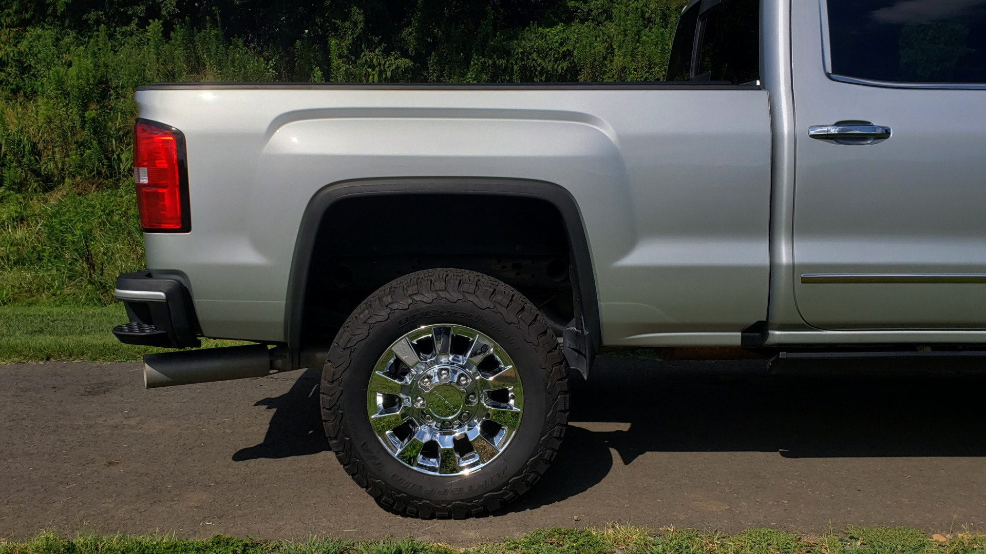 Used 2018 GMC SIERRA 2500HD DENALI 4WD / 6.6L DURAMAX / NAV / SUNROOF / BOSE / REARVIEW for sale Sold at Formula Imports in Charlotte NC 28227 90