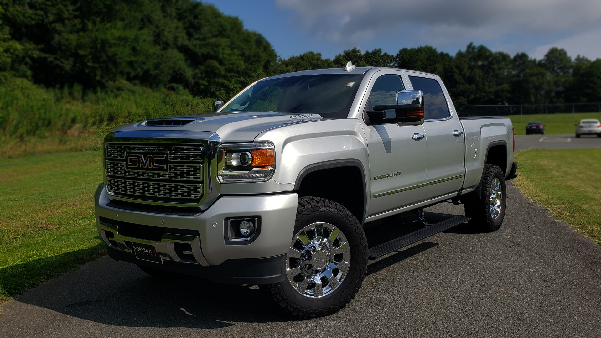 Used 2018 GMC SIERRA 2500HD DENALI 4WD / 6.6L DURAMAX / NAV / SUNROOF / BOSE / REARVIEW for sale Sold at Formula Imports in Charlotte NC 28227 1
