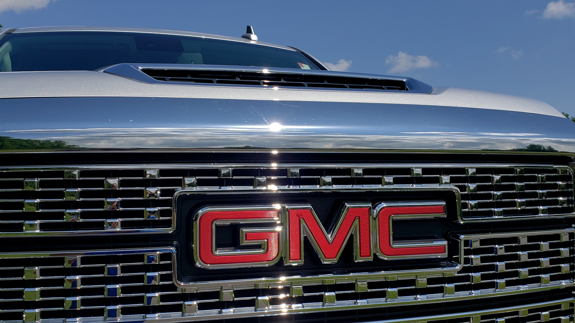 Used 2018 GMC Sierra 2500HD Denali for sale Sold at Formula Imports in Charlotte NC 28227 15