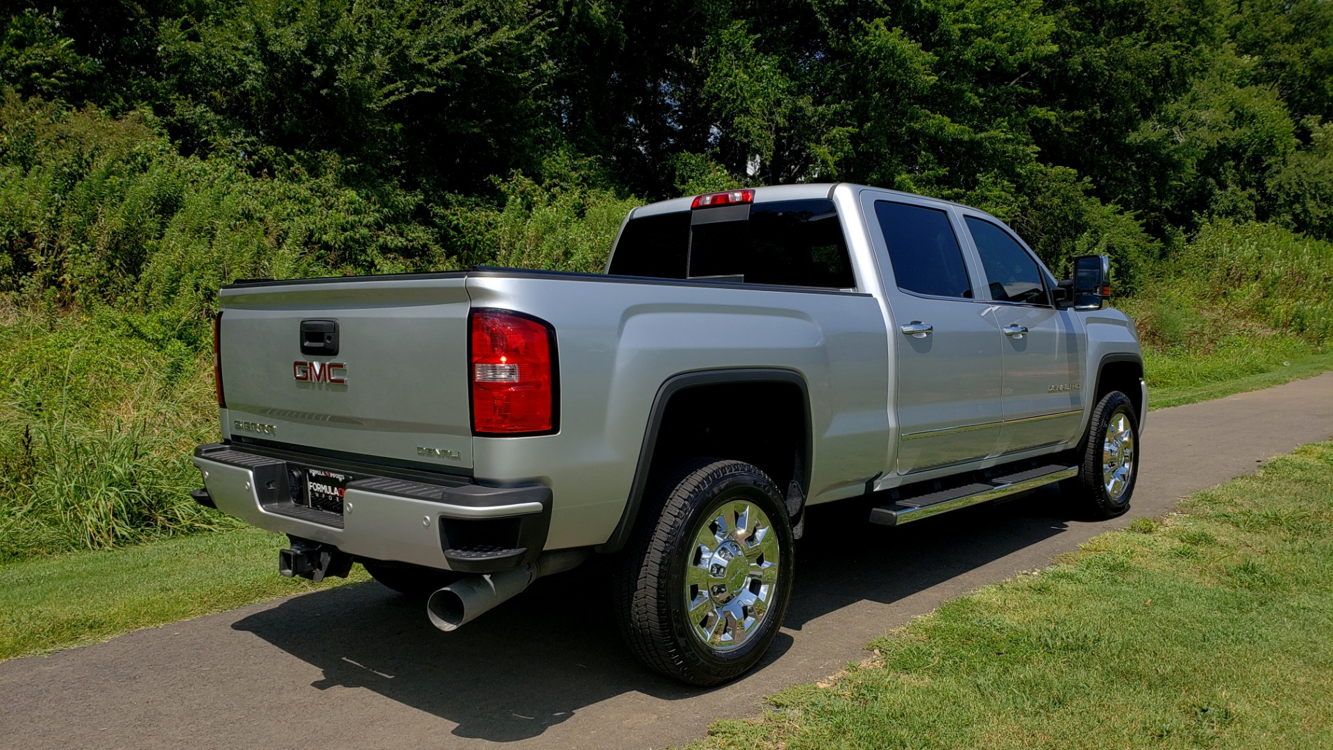 Used 2018 GMC Sierra 2500HD Denali for sale Sold at Formula Imports in Charlotte NC 28227 4