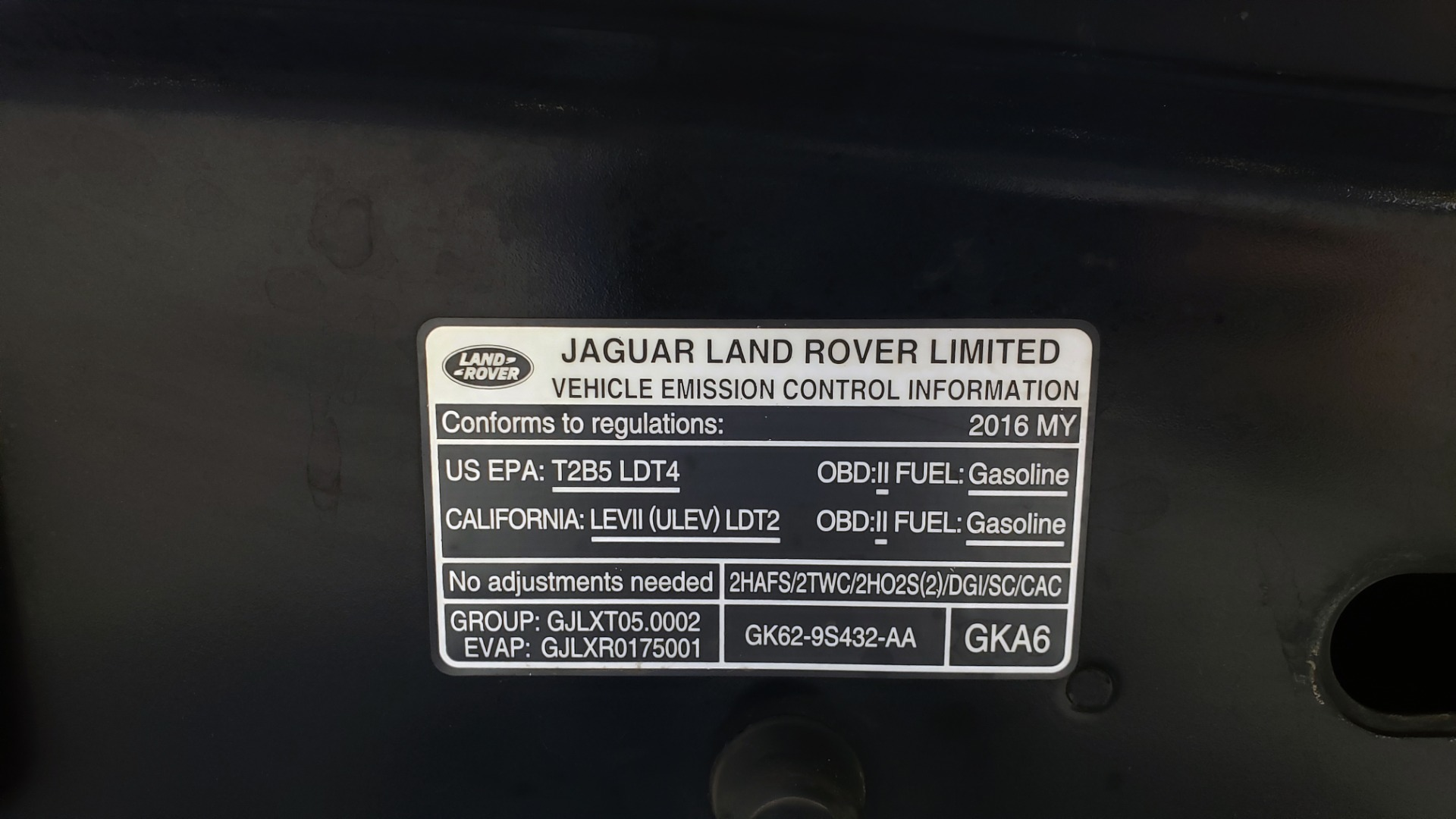Used 2016 Land Rover RANGE ROVER AUTOBIOGRAPHY / SC-V8 / LWB / PANO-ROOF / NAV / MERIDIAN / ENT / REARVIEW for sale $71,495 at Formula Imports in Charlotte NC 28227 18