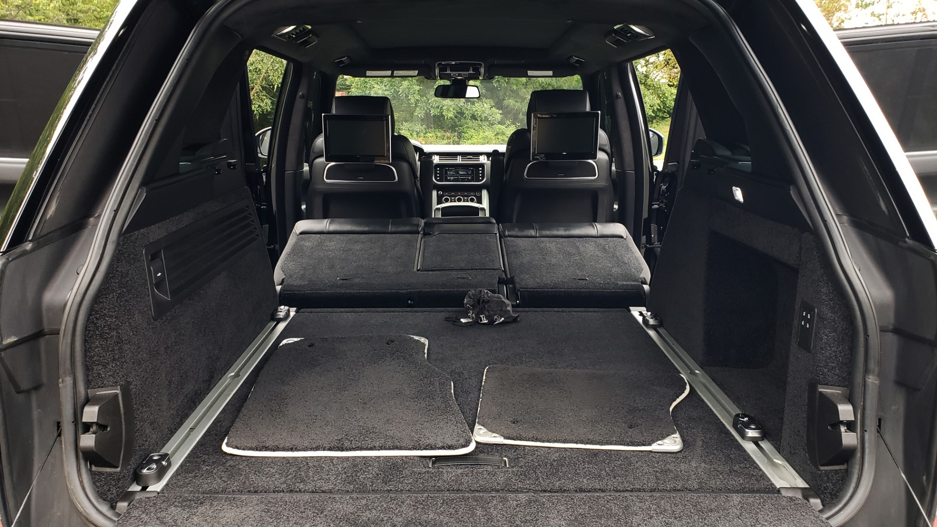 Used 2016 Land Rover RANGE ROVER AUTOBIOGRAPHY / SC-V8 / LWB / PANO-ROOF / NAV / MERIDIAN / ENT / REARVIEW for sale $71,495 at Formula Imports in Charlotte NC 28227 23