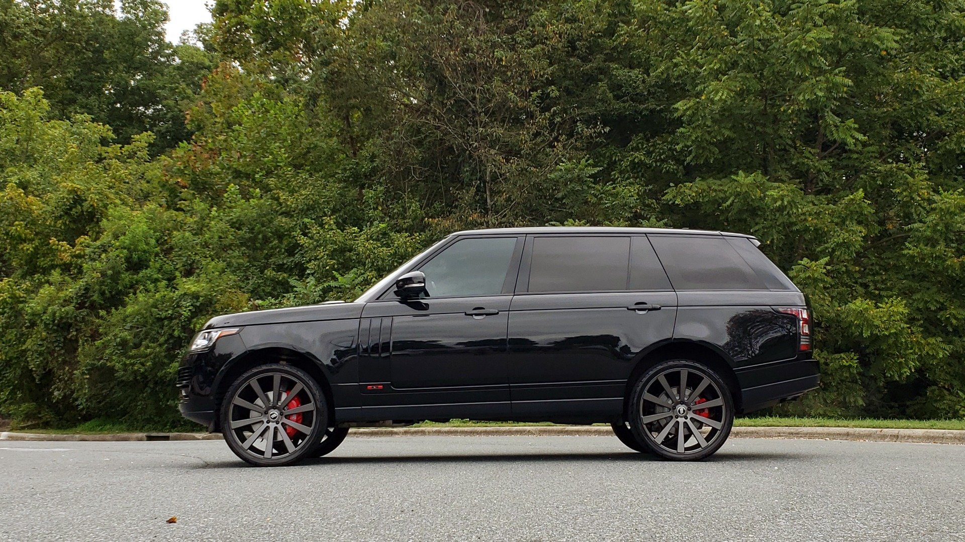 Used 2016 Land Rover RANGE ROVER AUTOBIOGRAPHY / SC-V8 / LWB / PANO-ROOF / NAV / MERIDIAN / ENT / REARVIEW for sale $71,495 at Formula Imports in Charlotte NC 28227 3