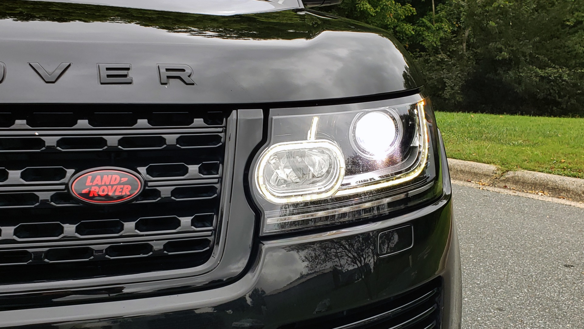 Used 2016 Land Rover RANGE ROVER AUTOBIOGRAPHY / SC-V8 / LWB / PANO-ROOF / NAV / MERIDIAN / ENT / REARVIEW for sale Sold at Formula Imports in Charlotte NC 28227 30