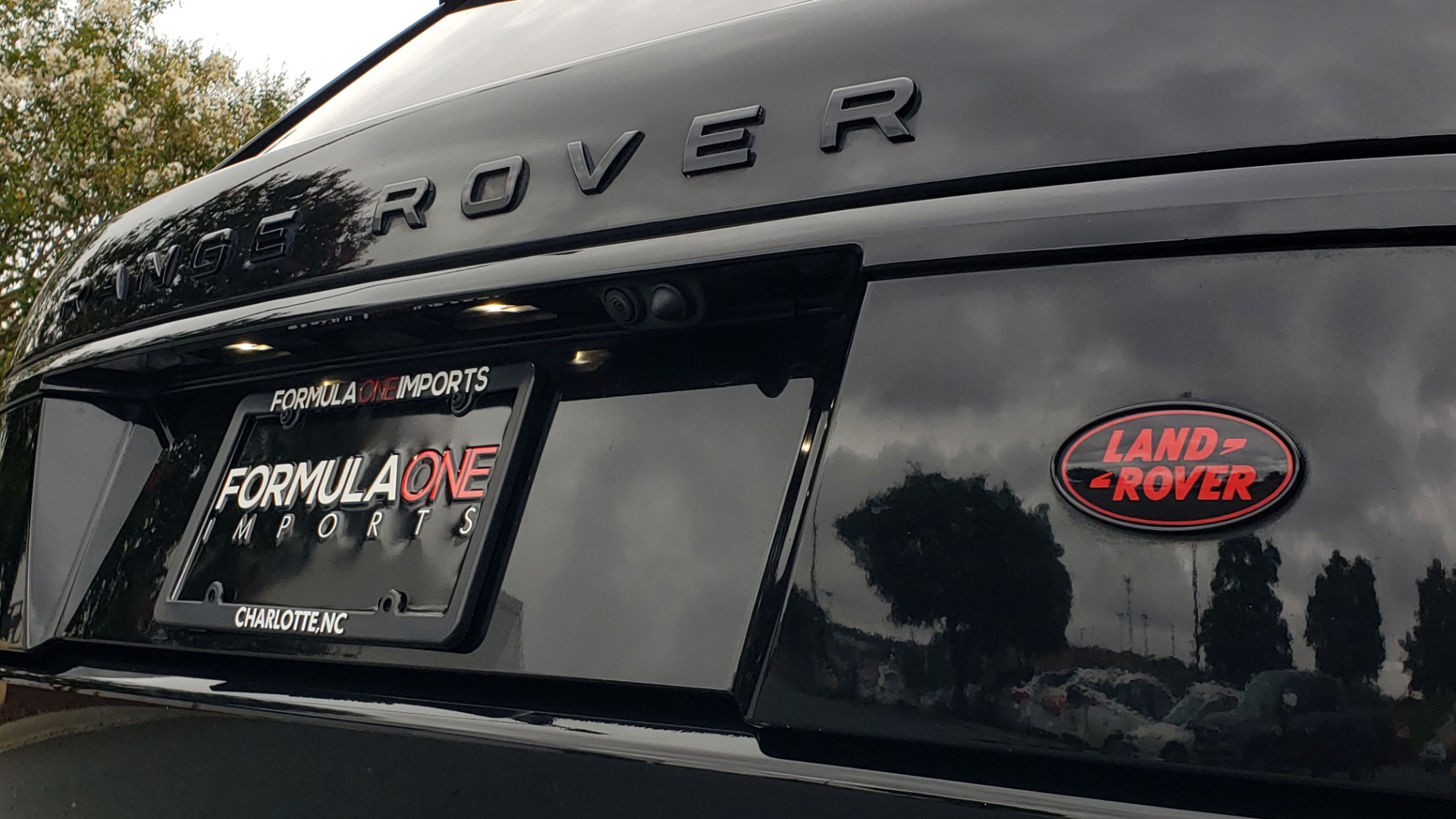 Used 2016 Land Rover RANGE ROVER AUTOBIOGRAPHY / SC-V8 / LWB / PANO-ROOF / NAV / MERIDIAN / ENT / REARVIEW for sale Sold at Formula Imports in Charlotte NC 28227 38