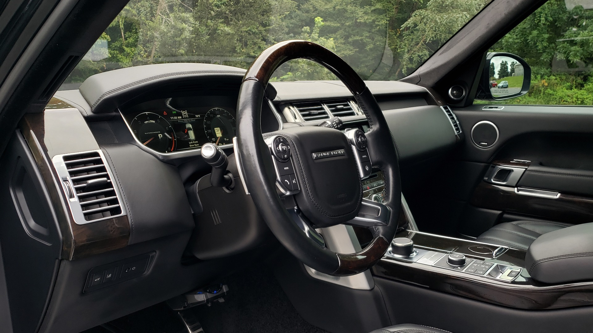 Used 2016 Land Rover RANGE ROVER AUTOBIOGRAPHY / SC-V8 / LWB / PANO-ROOF / NAV / MERIDIAN / ENT / REARVIEW for sale Sold at Formula Imports in Charlotte NC 28227 48