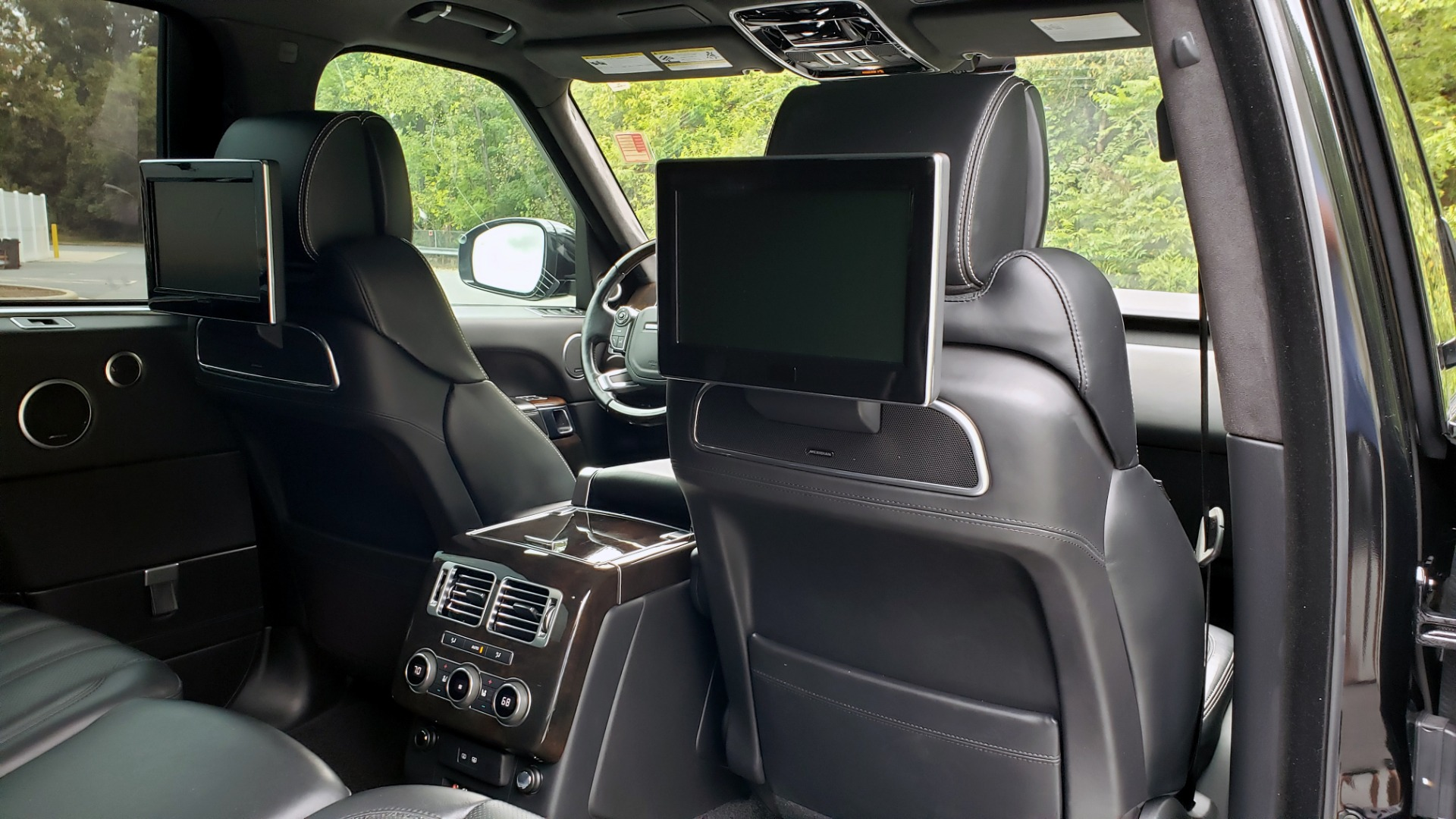 Used 2016 Land Rover RANGE ROVER AUTOBIOGRAPHY / SC-V8 / LWB / PANO-ROOF / NAV / MERIDIAN / ENT / REARVIEW for sale Sold at Formula Imports in Charlotte NC 28227 93